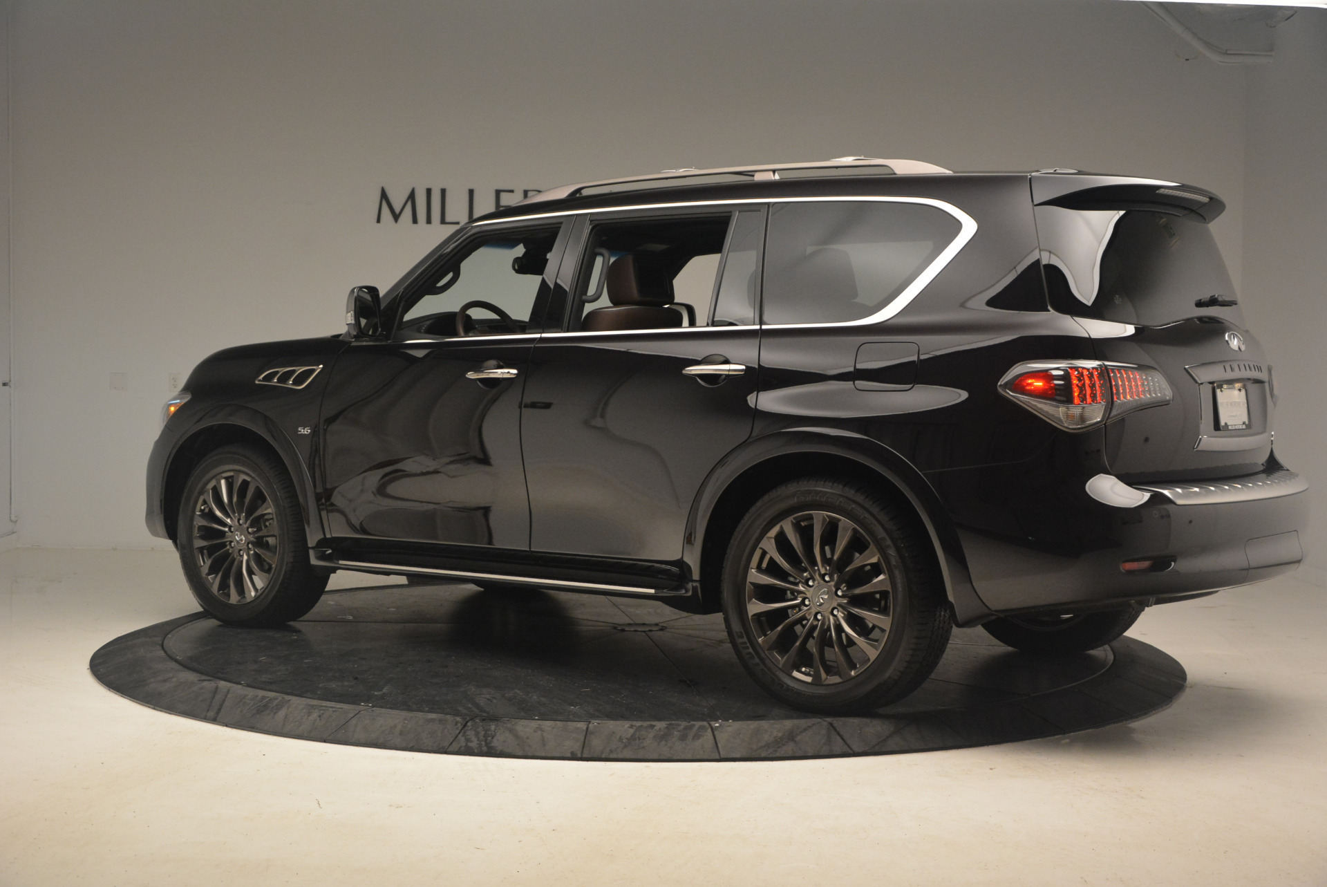 Used 2015 INFINITI QX80 Limited 4WD For Sale In Greenwich, CT 1289_p4