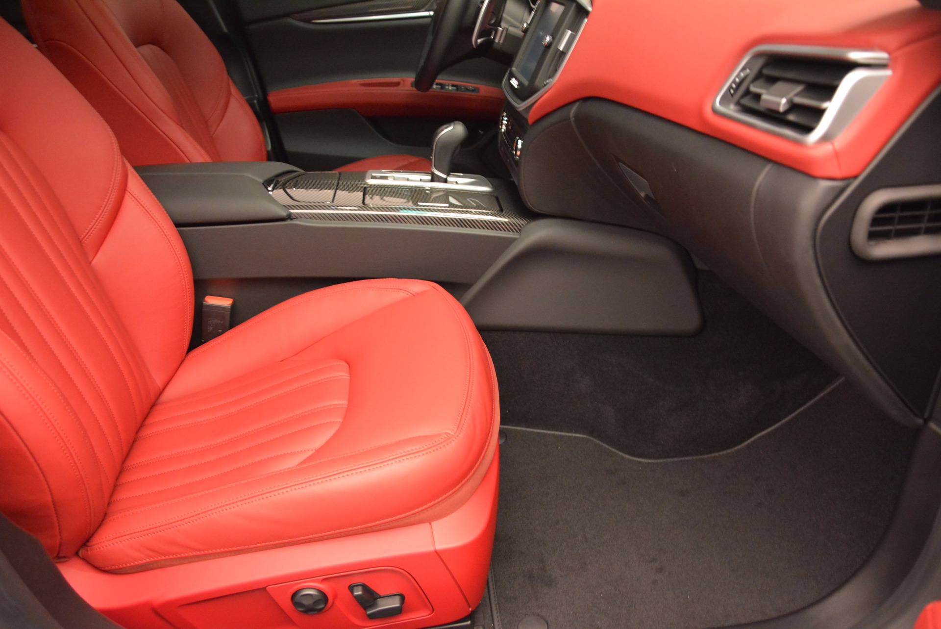 Used 2015 Maserati Ghibli S Q4 For Sale In Greenwich, CT 1290_p21