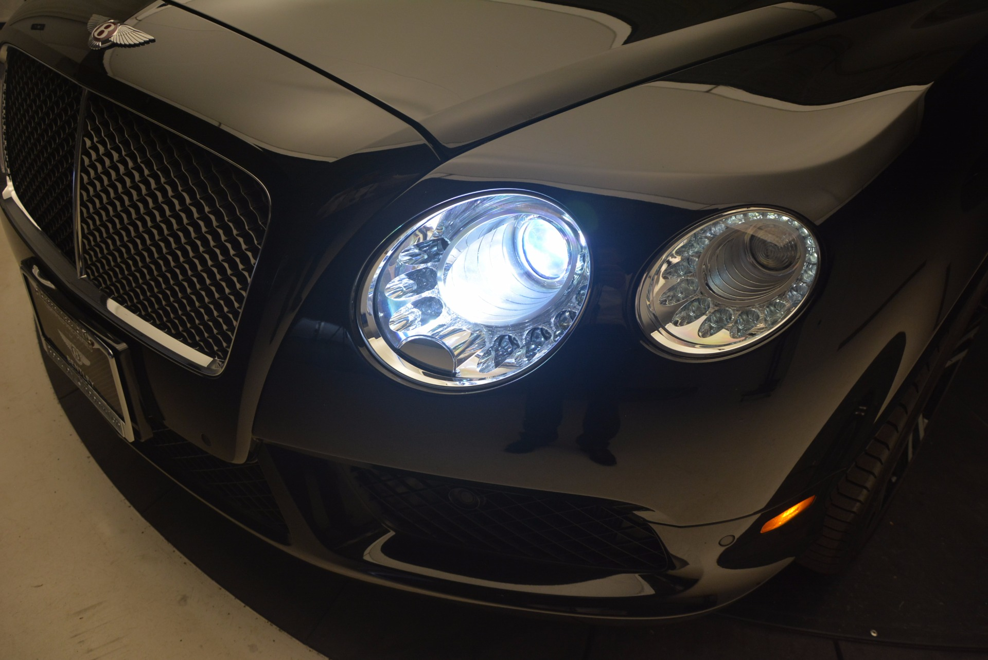 Used 2013 Bentley Continental GT V8 For Sale In Greenwich, CT 1291_p16