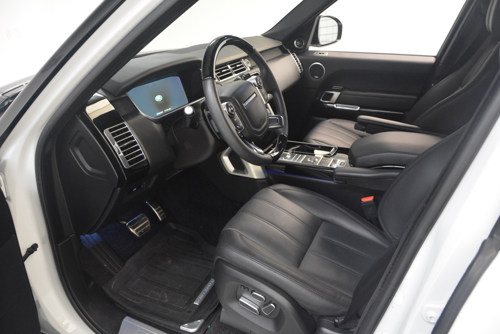 Used 2015 Land Rover Range Rover Supercharged For Sale In Greenwich, CT 1292_p17