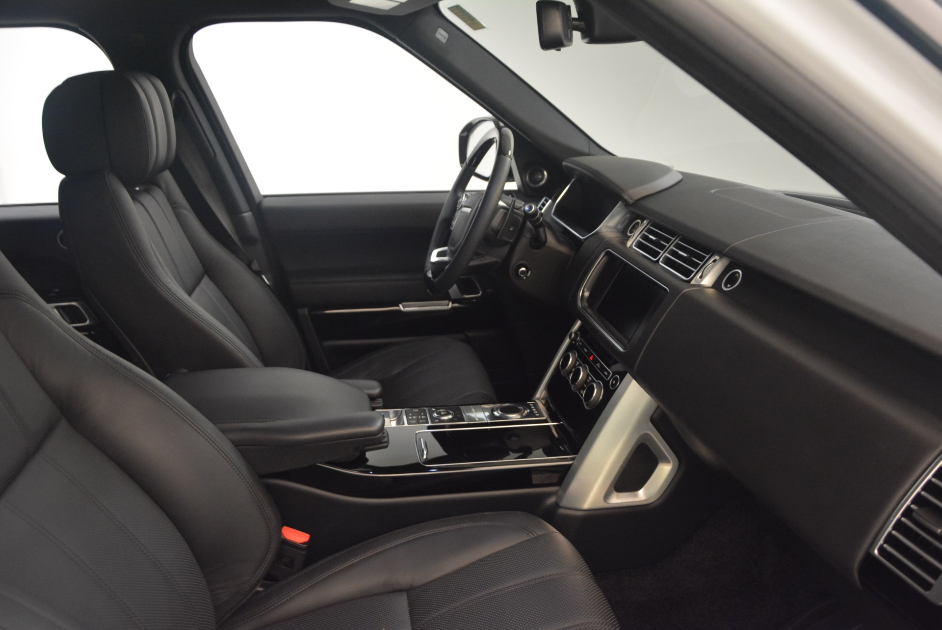 Used 2015 Land Rover Range Rover Supercharged For Sale In Greenwich, CT 1292_p29