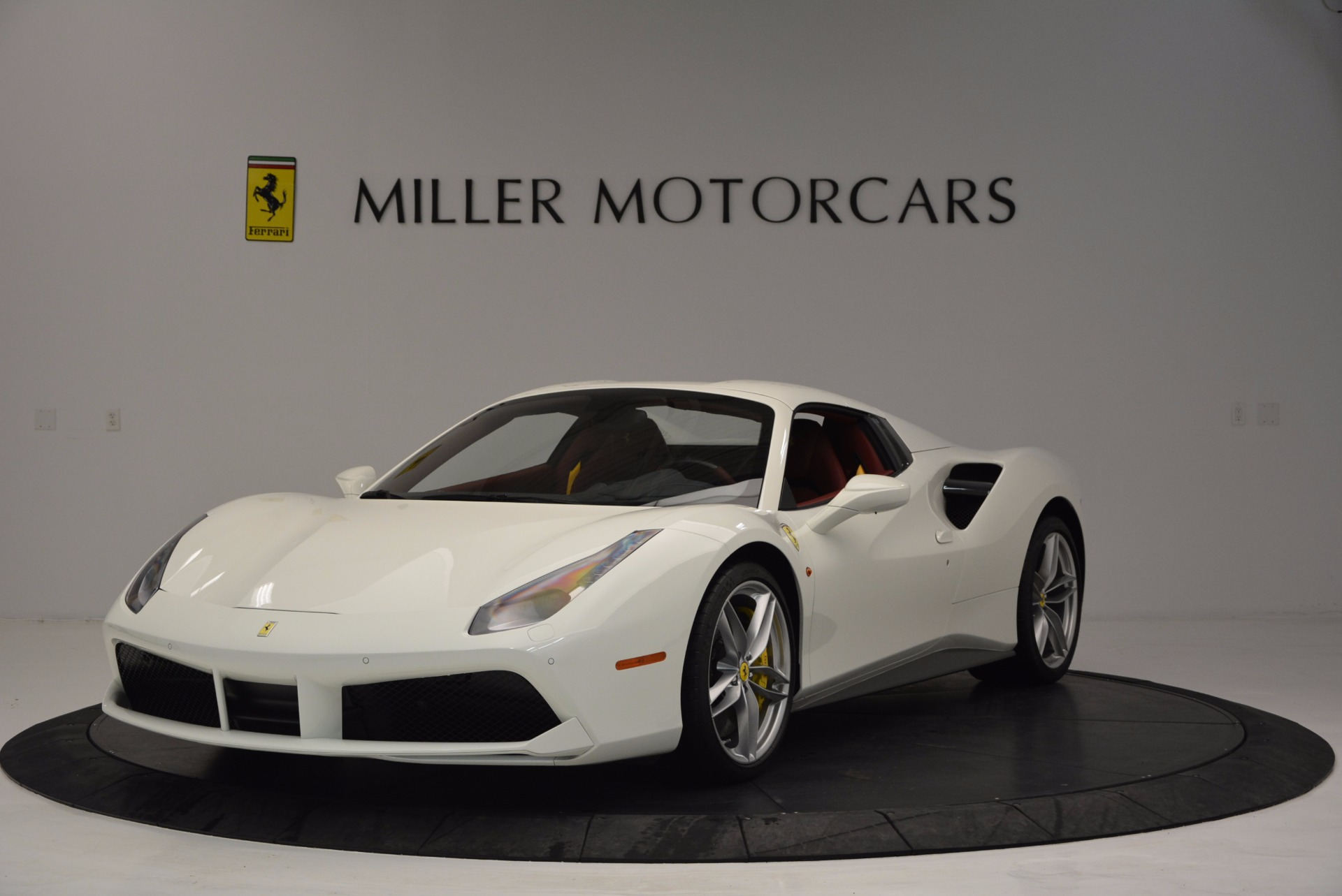 Used 2017 Ferrari 488 Spider  For Sale In Greenwich, CT 1296_p13