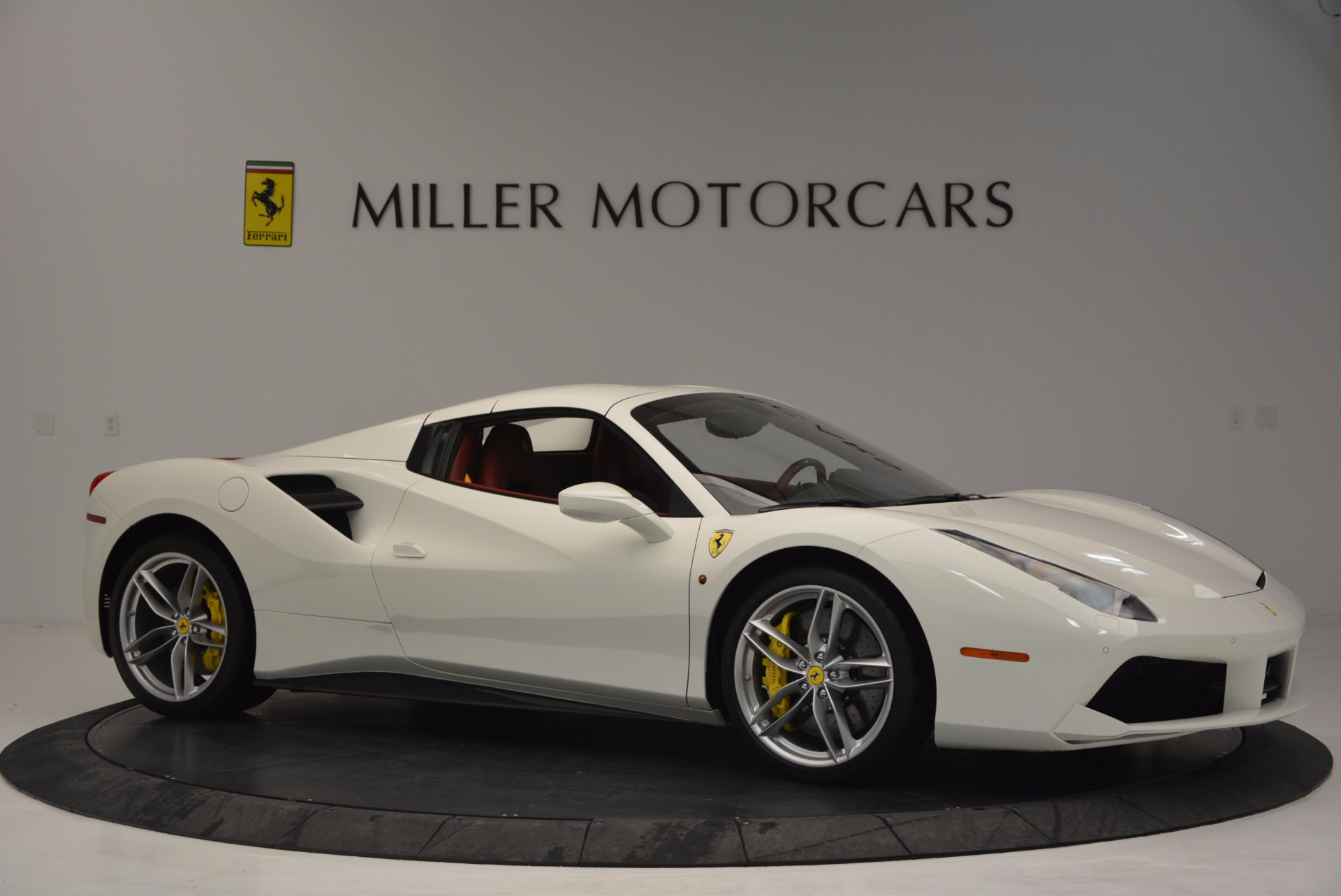 Used 2017 Ferrari 488 Spider  For Sale In Greenwich, CT 1296_p22