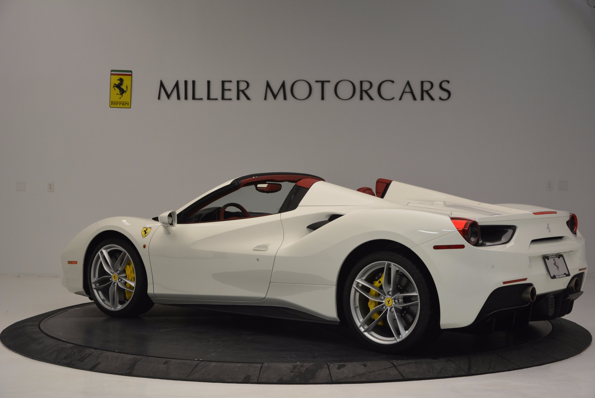 Used 2017 Ferrari 488 Spider  For Sale In Greenwich, CT 1296_p4