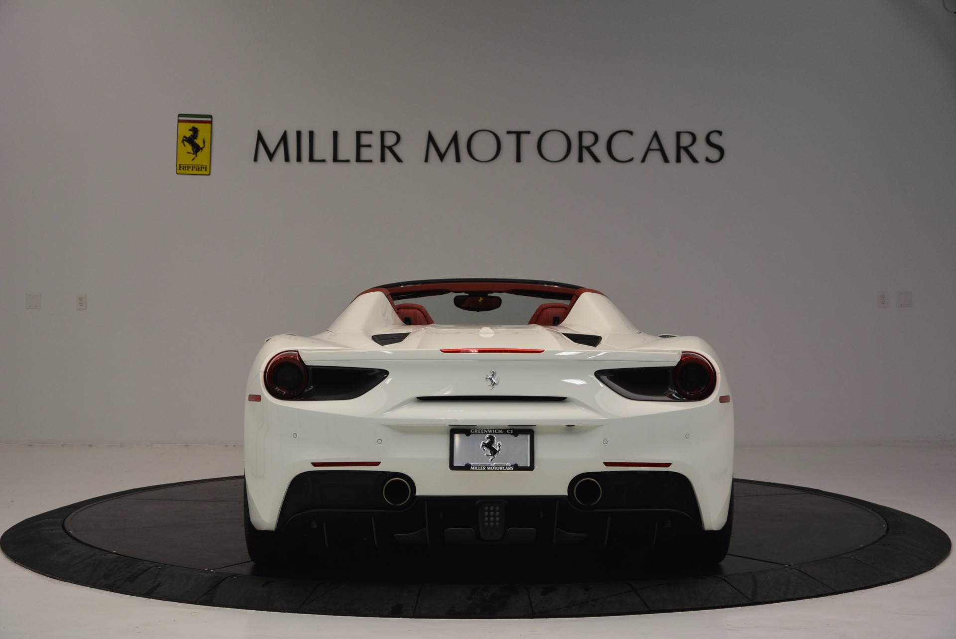 Used 2017 Ferrari 488 Spider  For Sale In Greenwich, CT 1296_p6