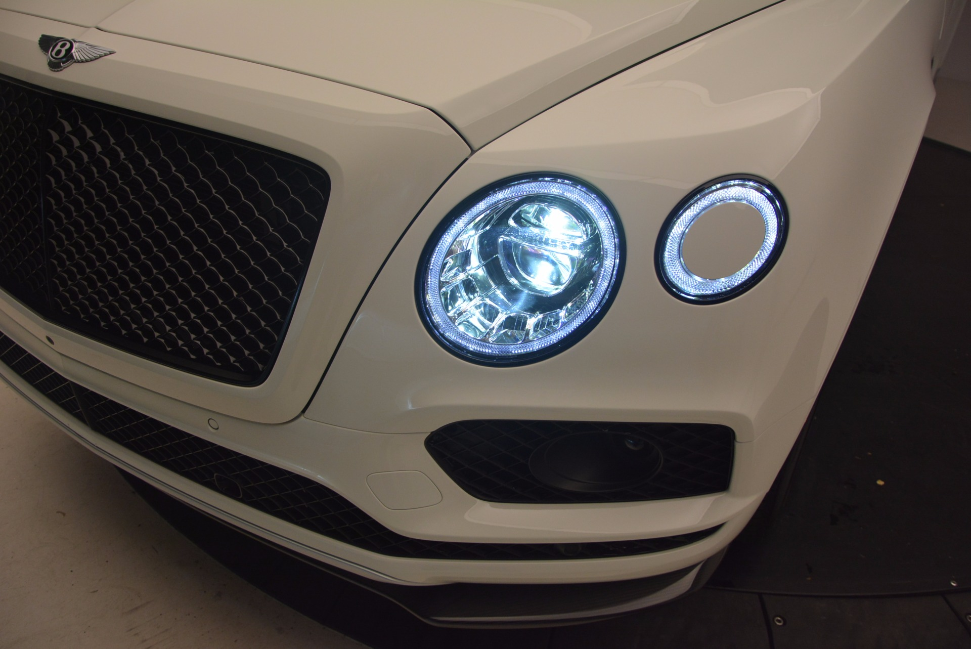 New 2018 Bentley Bentayga Black Edition For Sale In Greenwich, CT 1302_p17
