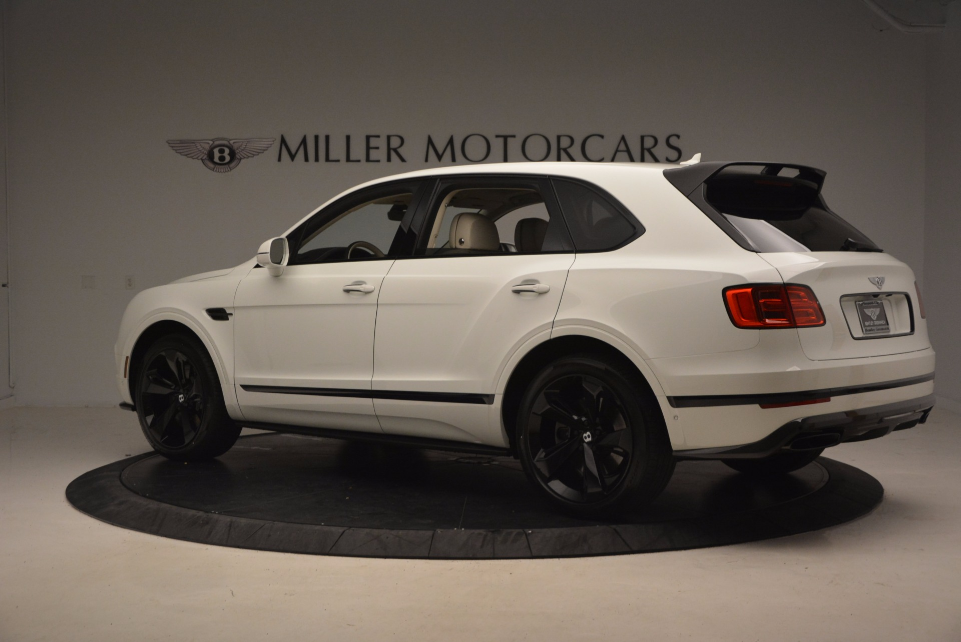 New 2018 Bentley Bentayga Black Edition For Sale In Greenwich, CT 1302_p4