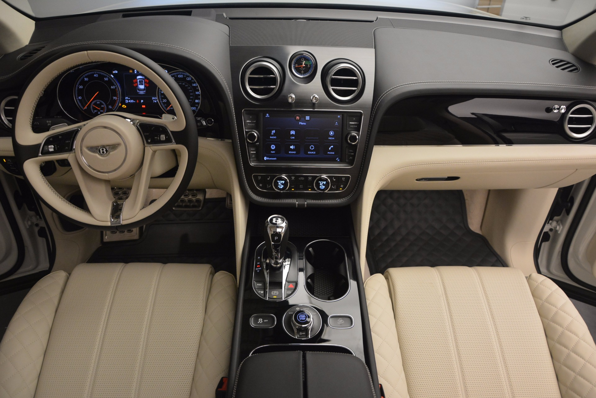 New 2018 Bentley Bentayga Black Edition For Sale In Greenwich, CT 1302_p52