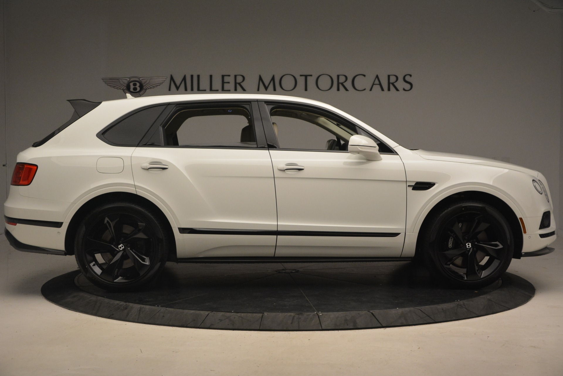 New 2018 Bentley Bentayga Black Edition For Sale In Greenwich, CT 1302_p9