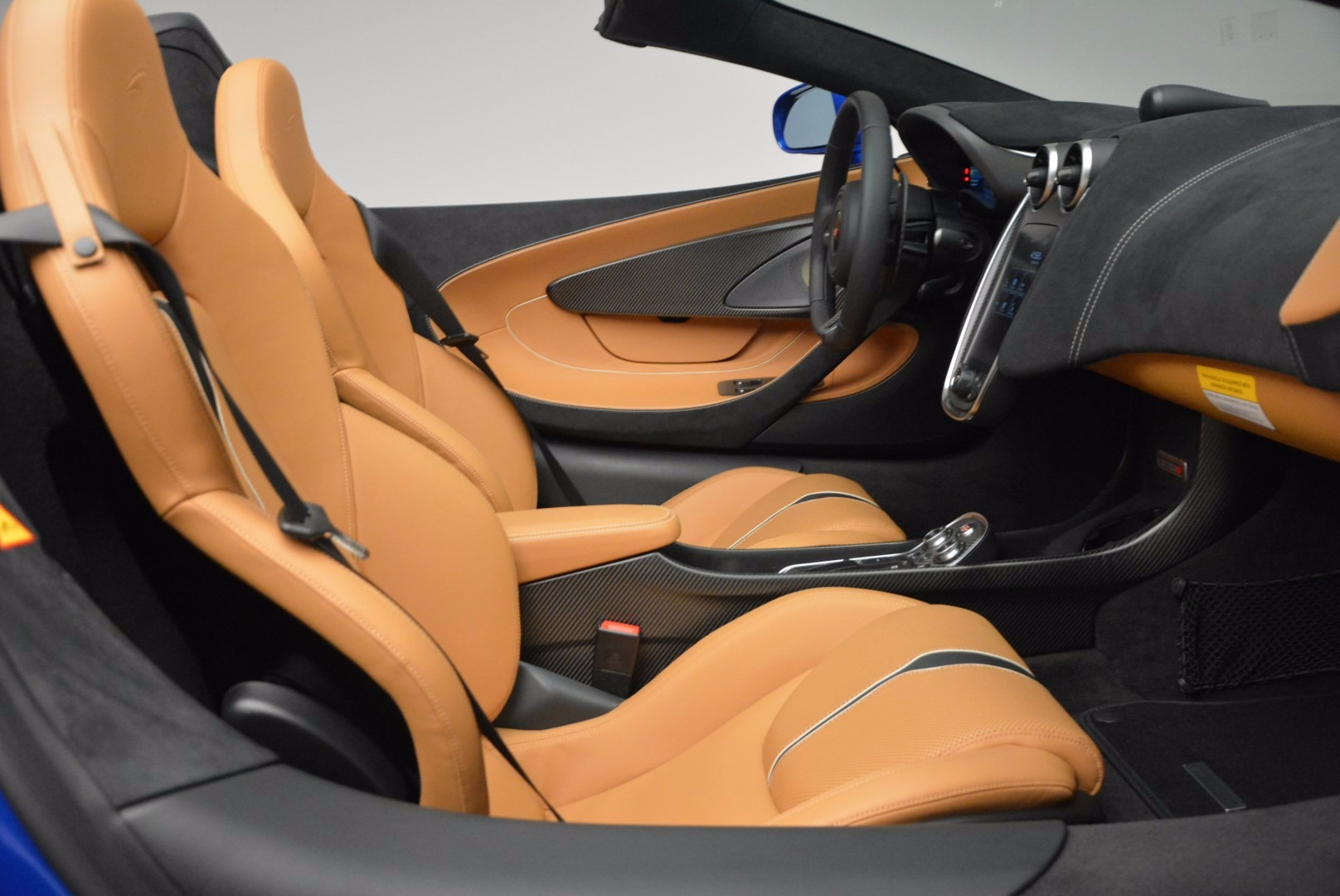 Used 2018 McLaren 570S Spider For Sale In Greenwich, CT 1303_p30