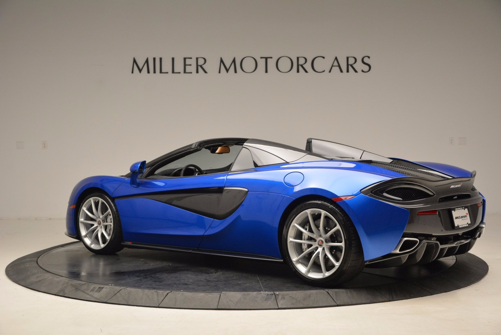Used 2018 McLaren 570S Spider For Sale In Greenwich, CT 1303_p4