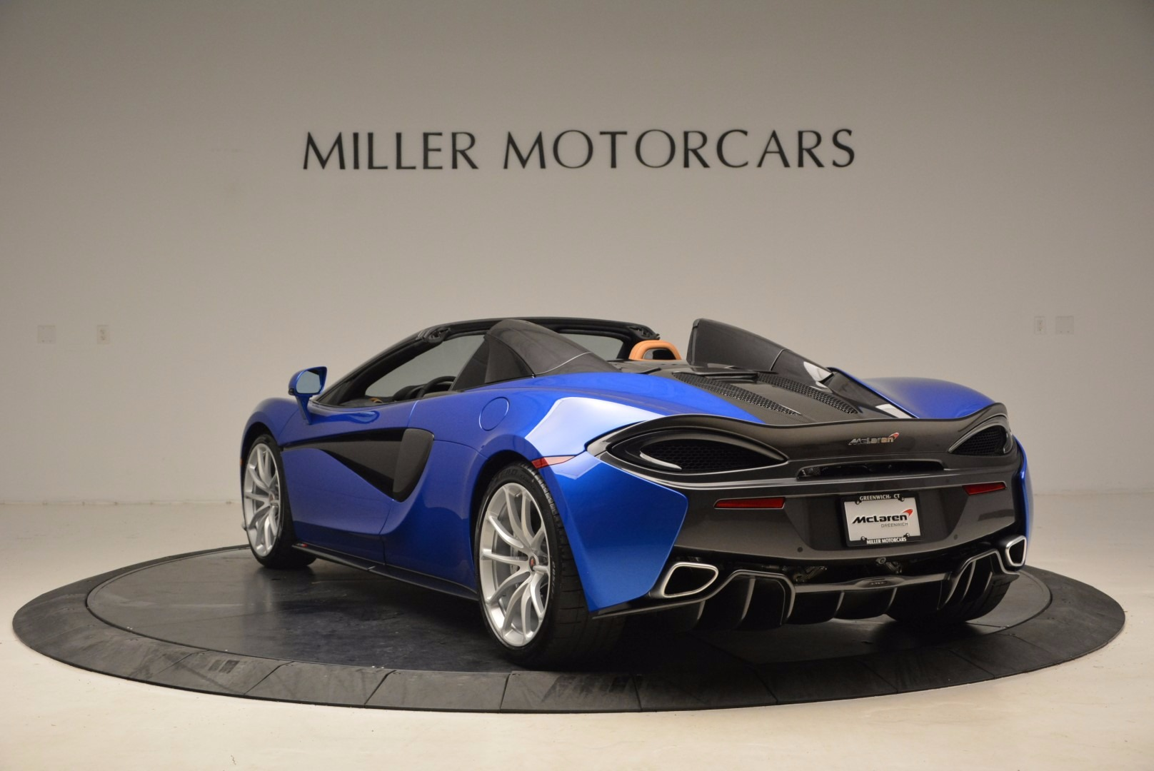 Used 2018 McLaren 570S Spider For Sale In Greenwich, CT 1303_p5