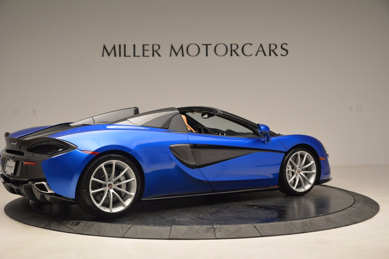 Used 2018 McLaren 570S Spider For Sale In Greenwich, CT 1303_p8