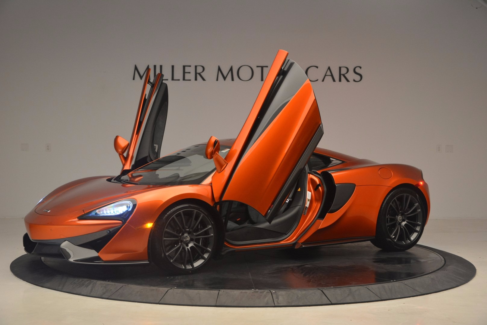 Used 2017 McLaren 570S  For Sale In Greenwich, CT 1304_p16