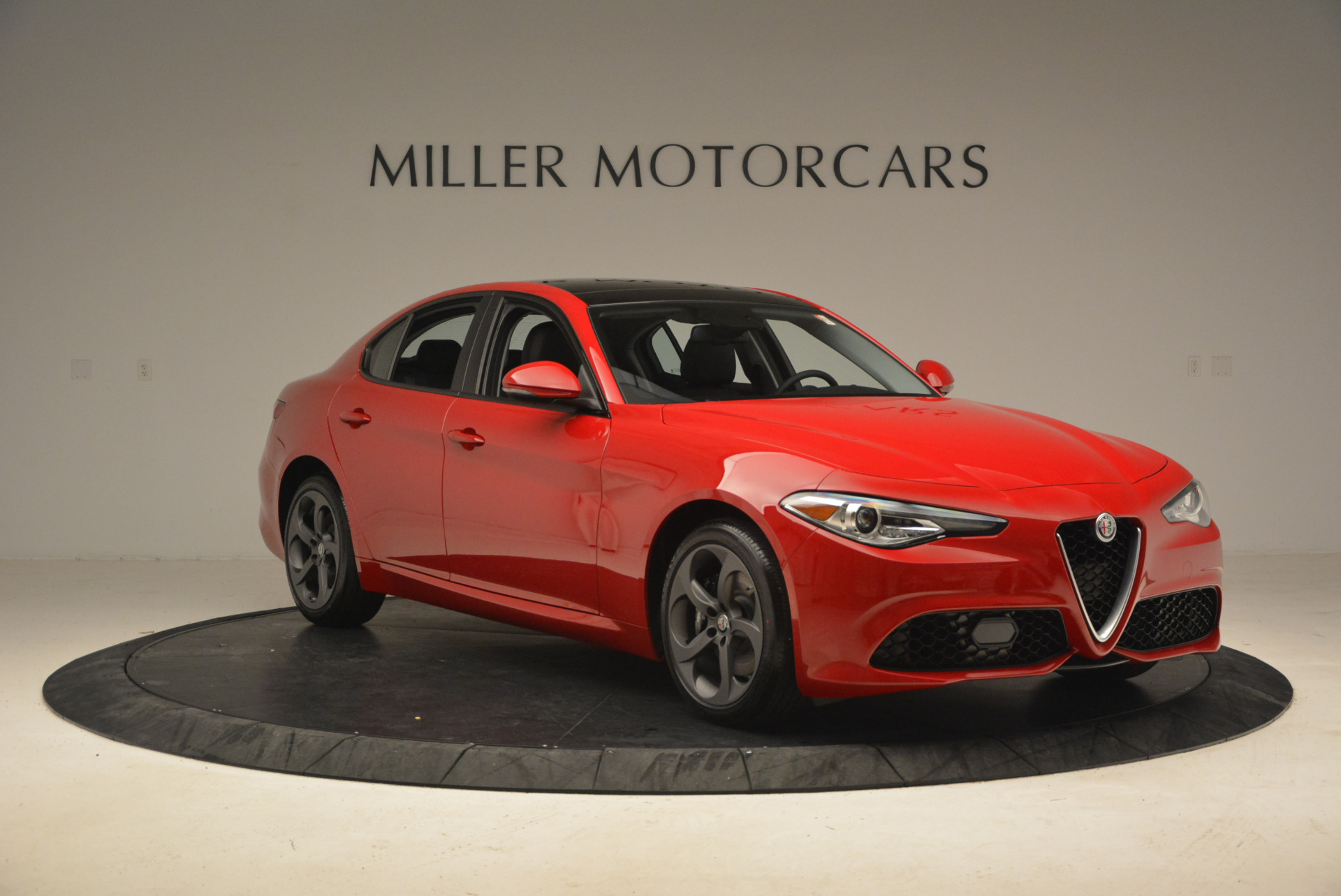 New 2017 Alfa Romeo Giulia Q4 For Sale In Greenwich, CT 1311_p13