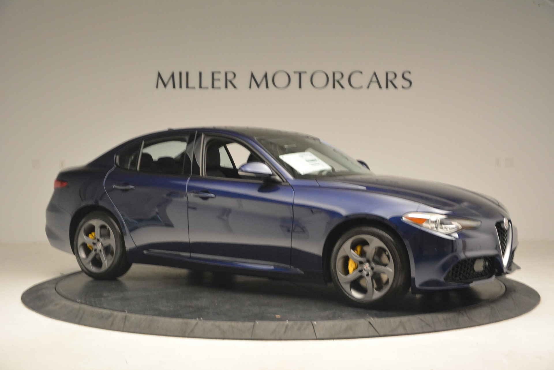 New 2017 Alfa Romeo Giulia Q4 For Sale In Greenwich, CT 1320_p10