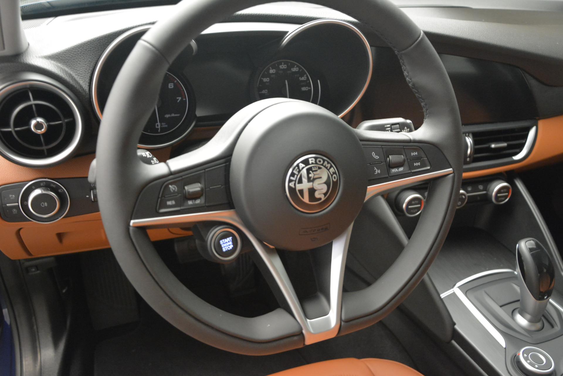 New 2017 Alfa Romeo Giulia Q4 For Sale In Greenwich, CT 1322_p13