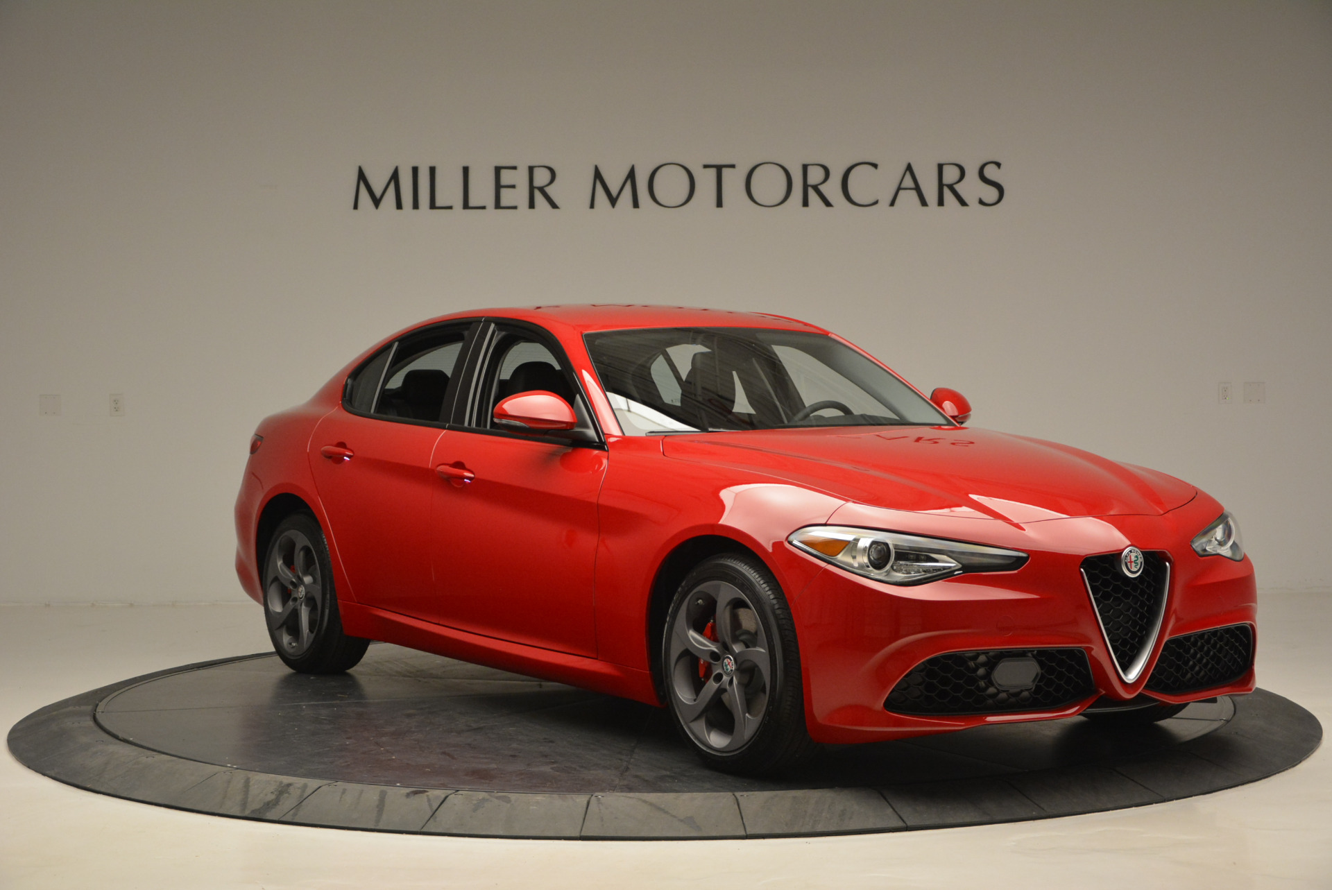 New 2017 Alfa Romeo Giulia Sport Q4 For Sale In Greenwich, CT 1323_p11