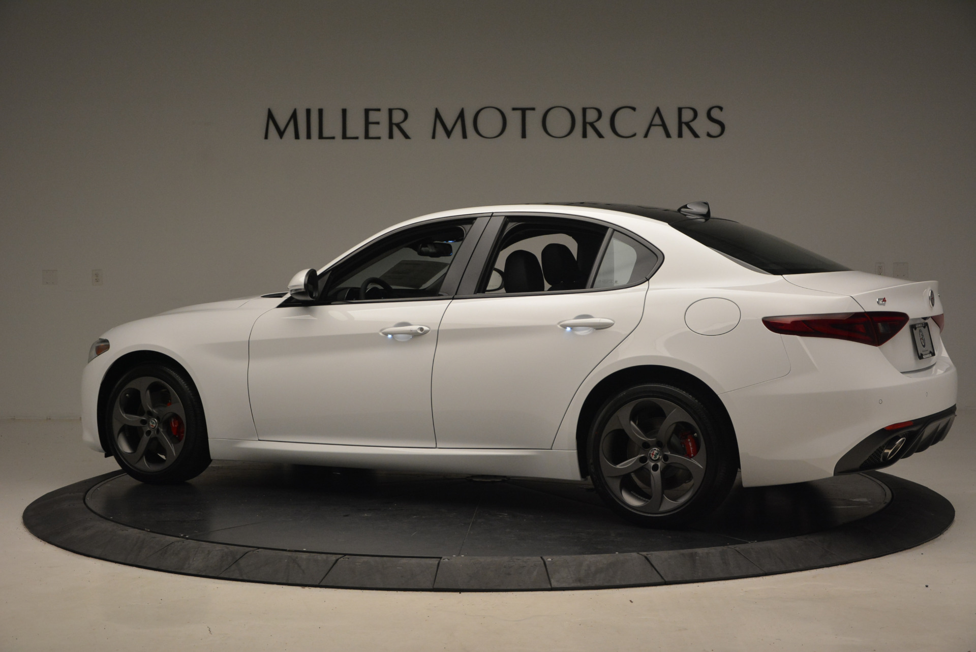 New 2017 Alfa Romeo Giulia Ti Sport Q4 For Sale In Greenwich, CT 1327_p4