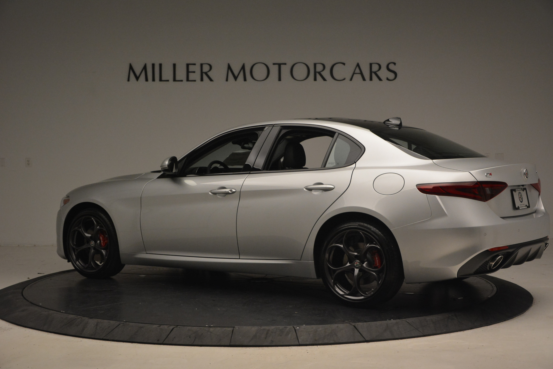 New 2017 Alfa Romeo Giulia Ti Q4 For Sale In Greenwich, CT 1332_p4