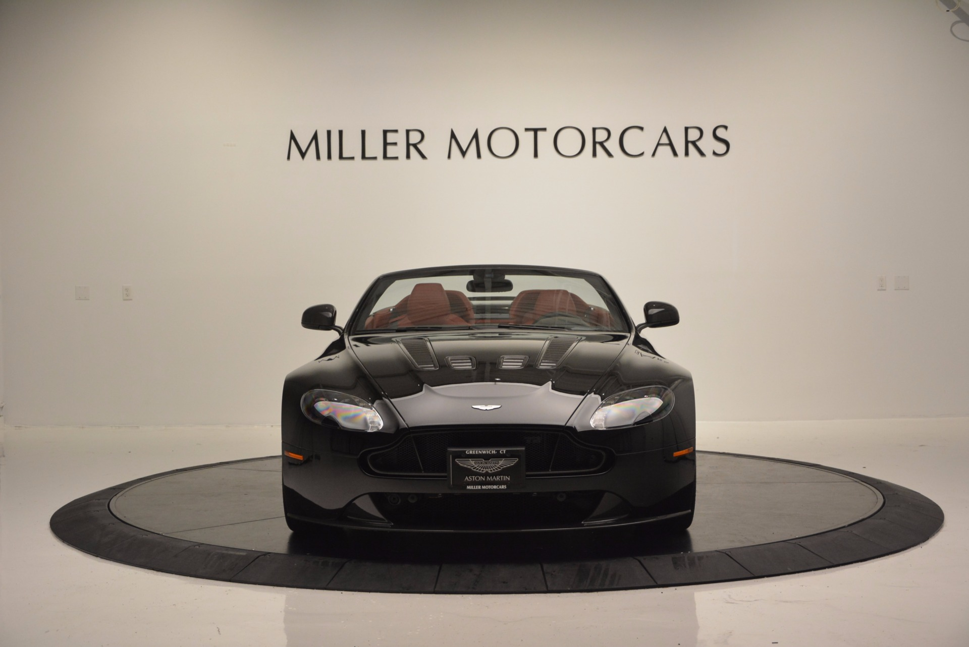 Used 2015 Aston Martin V12 Vantage S Roadster For Sale In Greenwich, CT 1335_p12