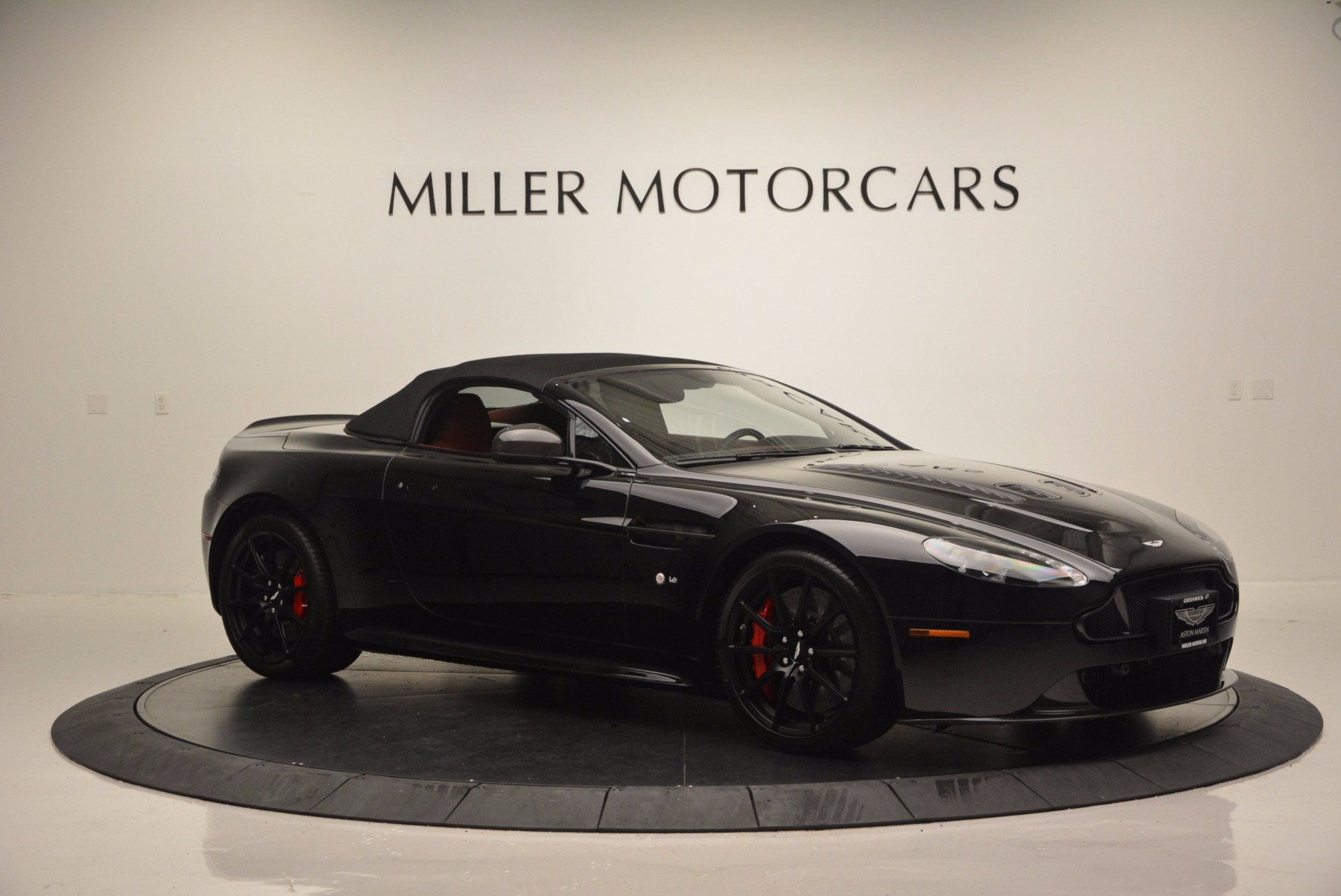 Used 2015 Aston Martin V12 Vantage S Roadster For Sale In Greenwich, CT 1335_p16