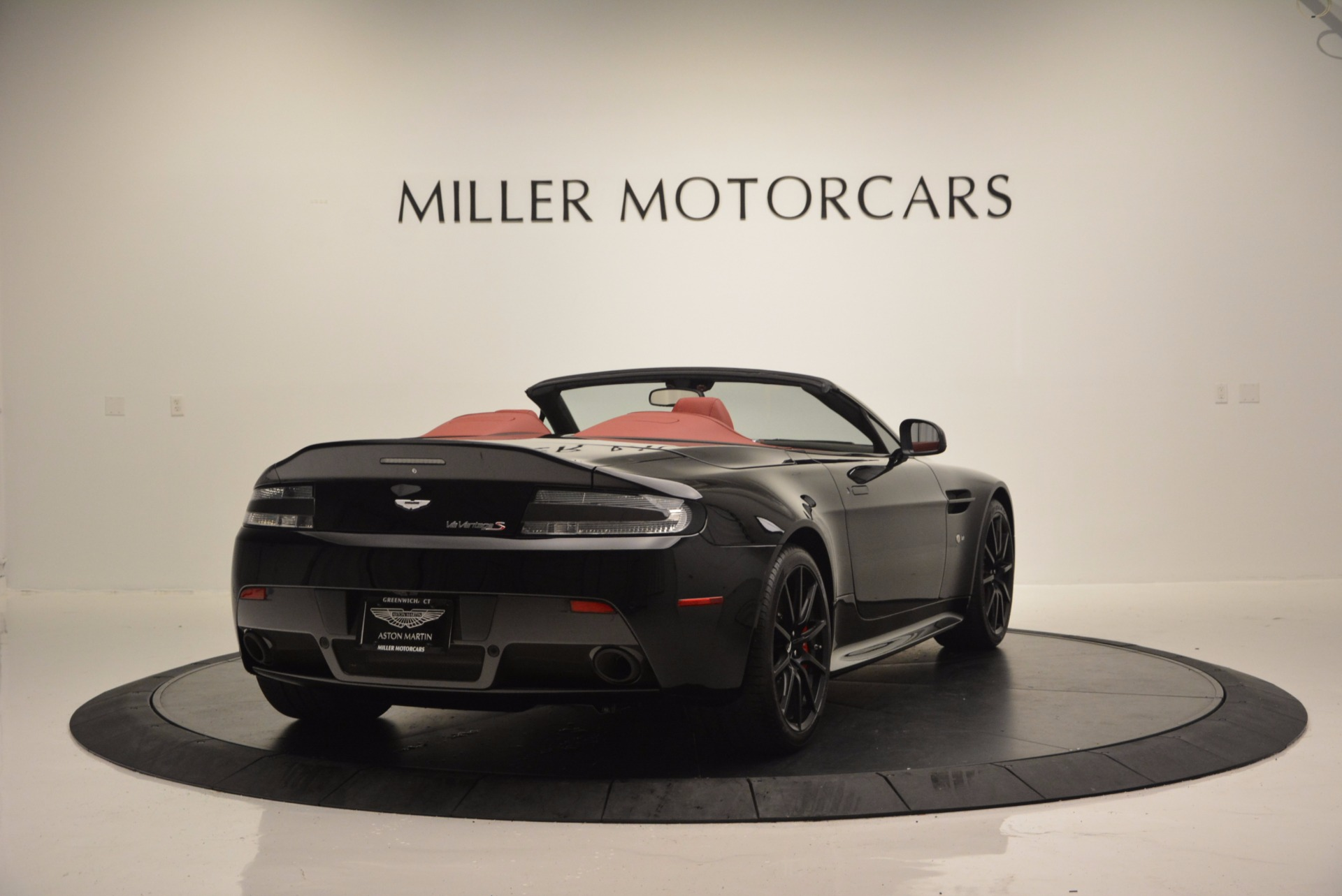 Used 2015 Aston Martin V12 Vantage S Roadster For Sale In Greenwich, CT 1335_p7