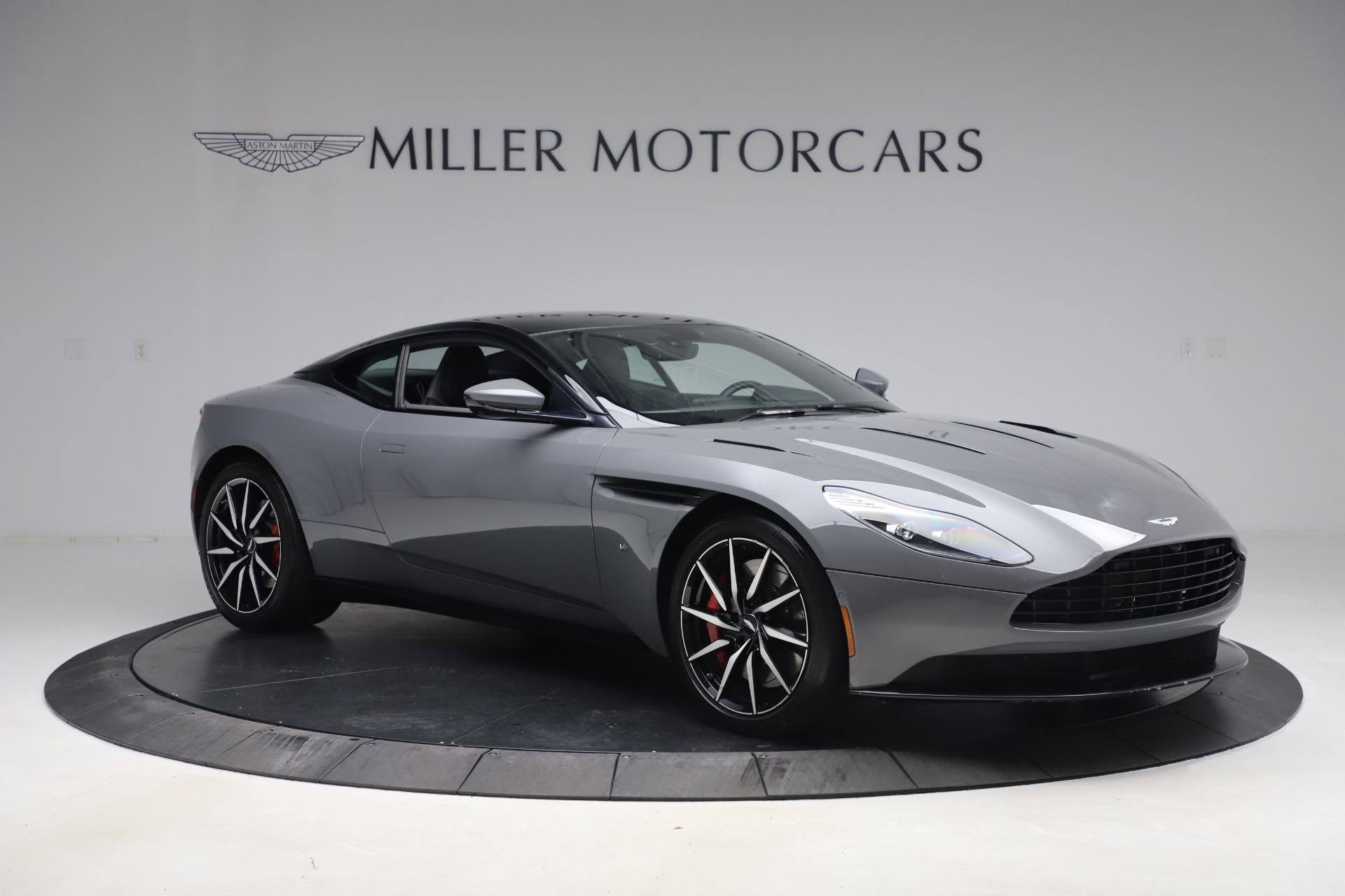 New 2017 Aston Martin DB11  For Sale In Greenwich, CT 1340_p10