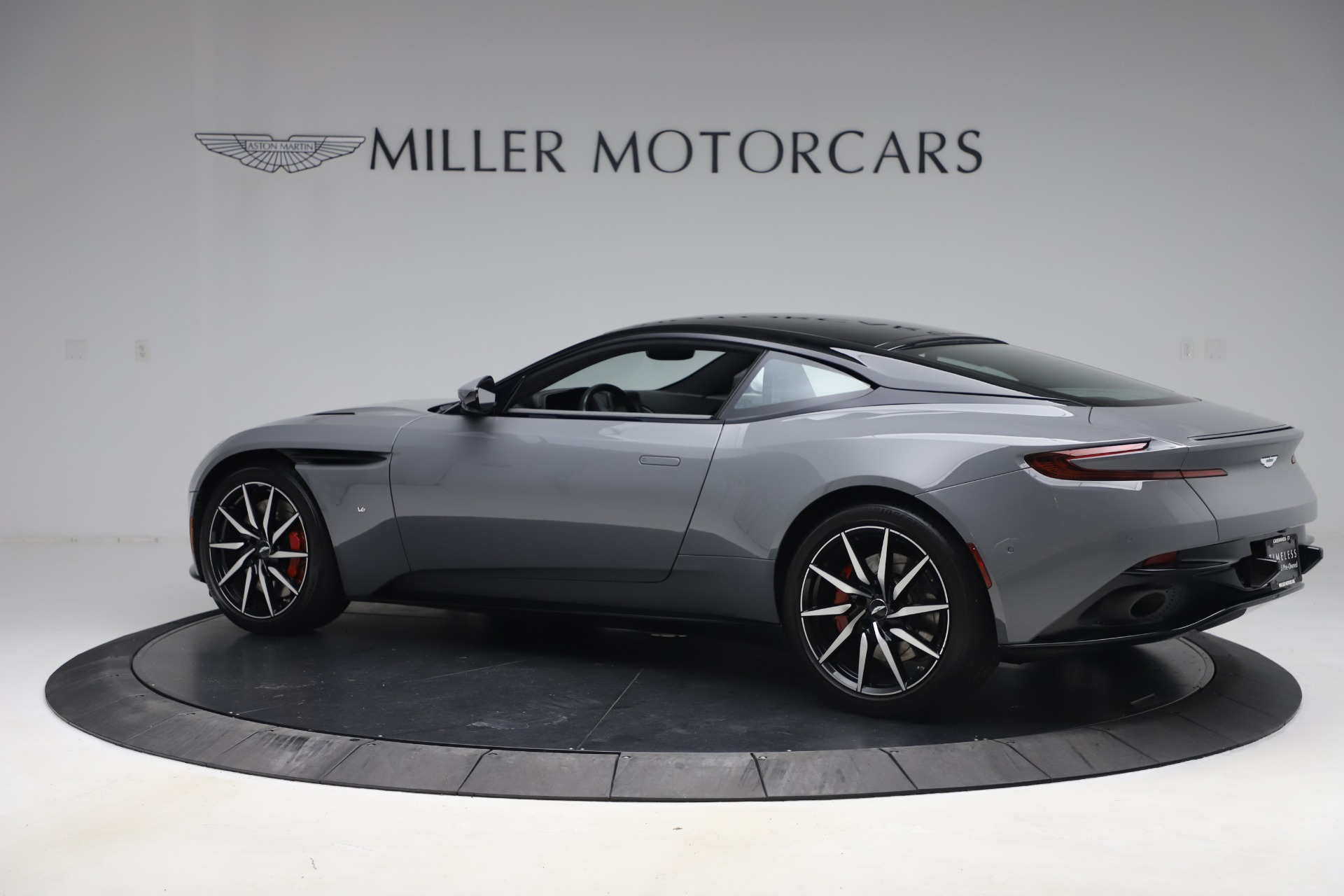 New 2017 Aston Martin DB11  For Sale In Greenwich, CT 1340_p3