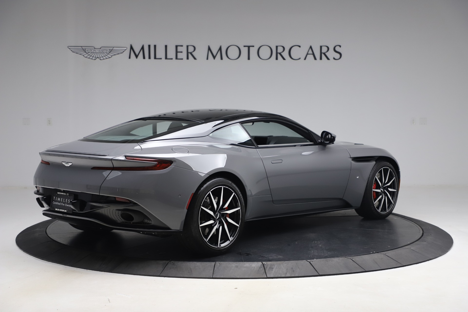 New 2017 Aston Martin DB11  For Sale In Greenwich, CT 1340_p7