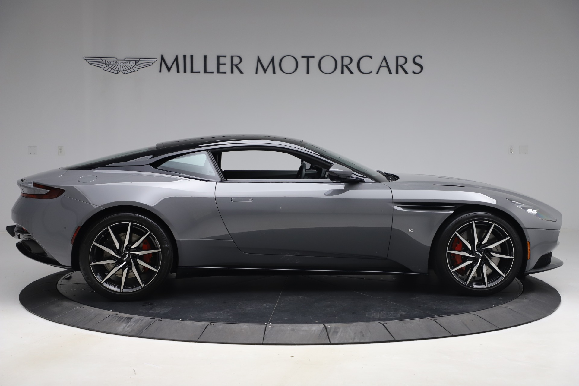 New 2017 Aston Martin DB11  For Sale In Greenwich, CT 1340_p8