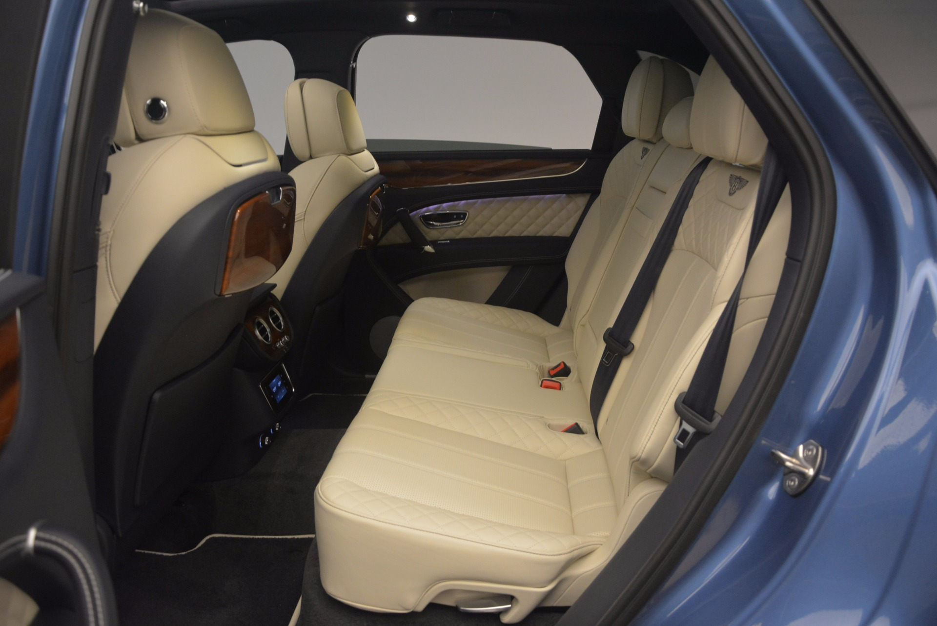 New 2018 Bentley Bentayga  For Sale In Greenwich, CT 1342_p36