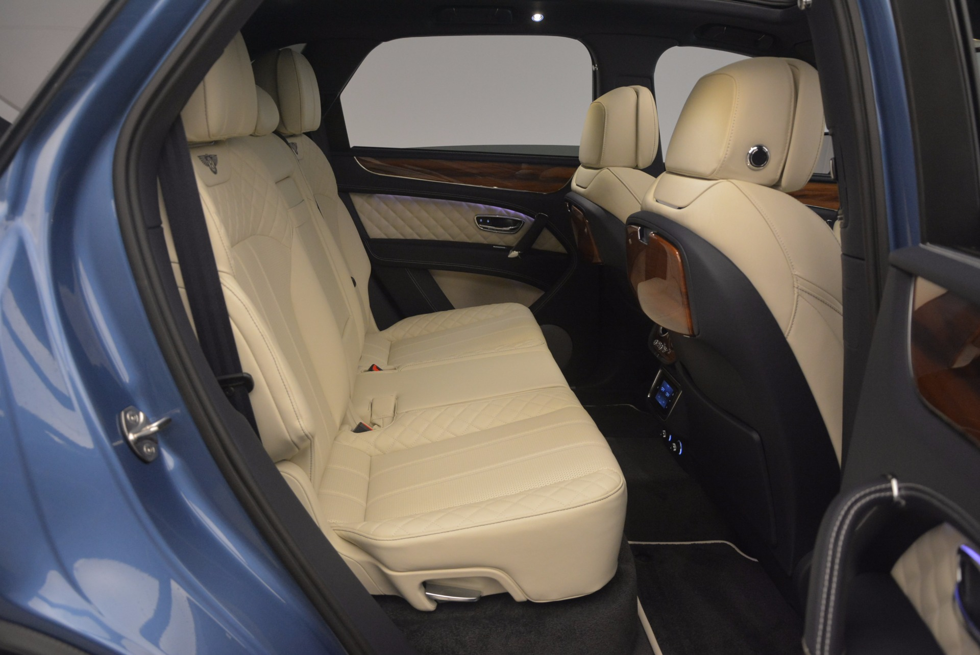 New 2018 Bentley Bentayga  For Sale In Greenwich, CT 1342_p48