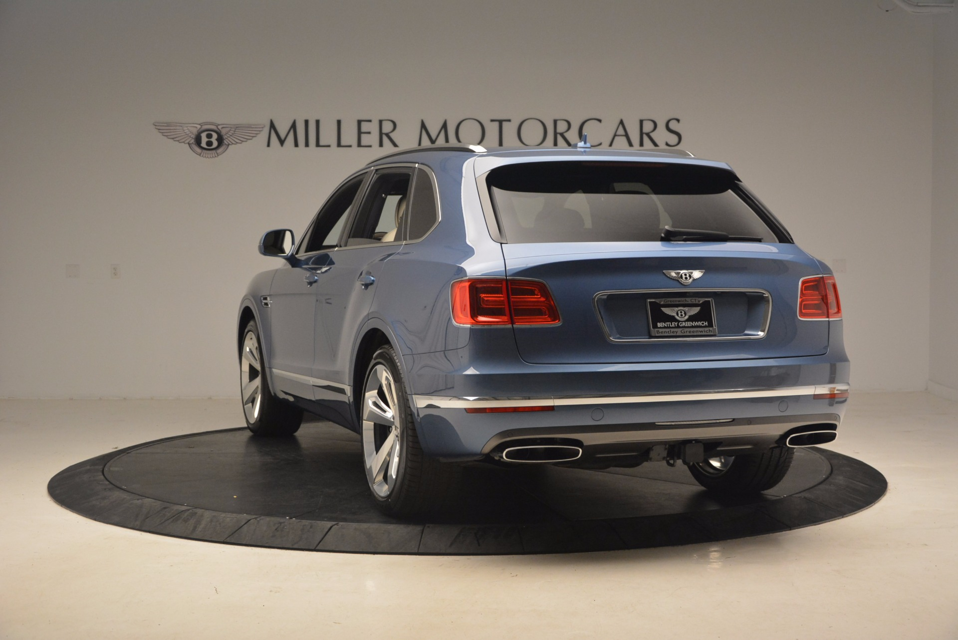 New 2018 Bentley Bentayga  For Sale In Greenwich, CT 1342_p5