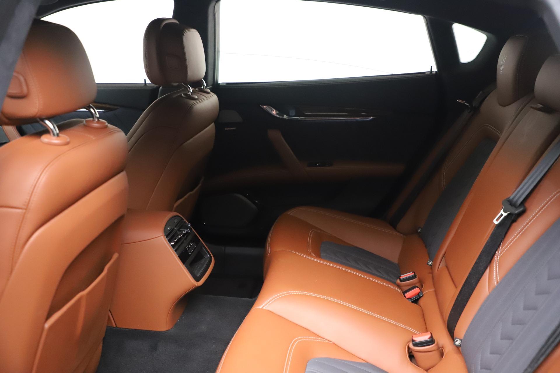 New 2017 Maserati Quattroporte SQ4 GranLusso/ Zegna For Sale In Greenwich, CT 1355_p18