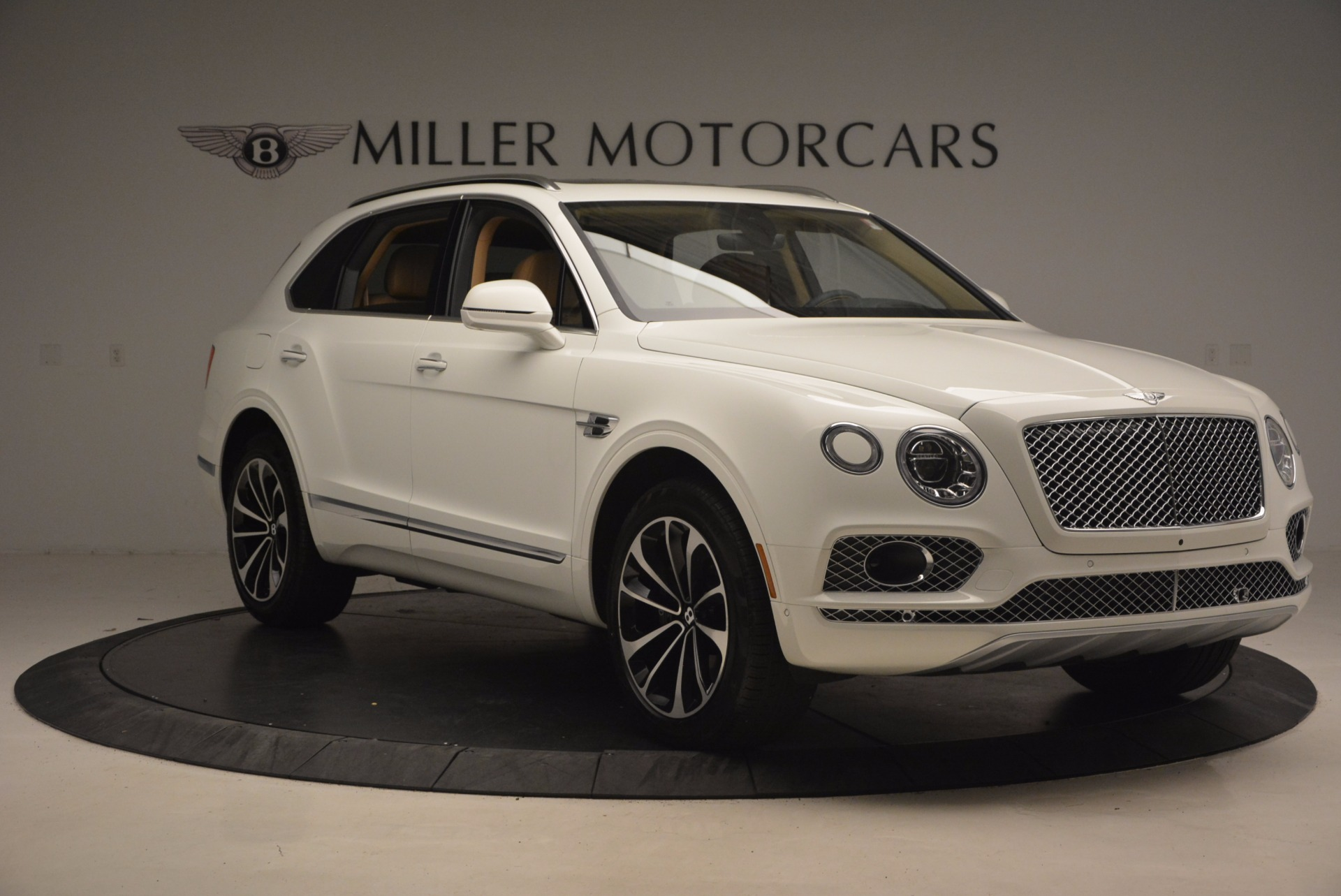 New 2018 Bentley Bentayga W12 Signature For Sale In Greenwich, CT 1358_p11