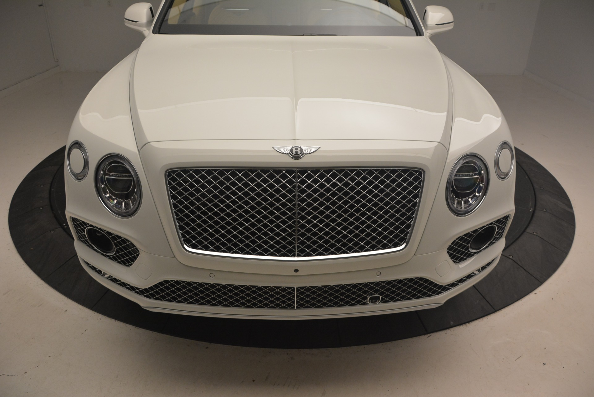 New 2018 Bentley Bentayga W12 Signature For Sale In Greenwich, CT 1358_p13