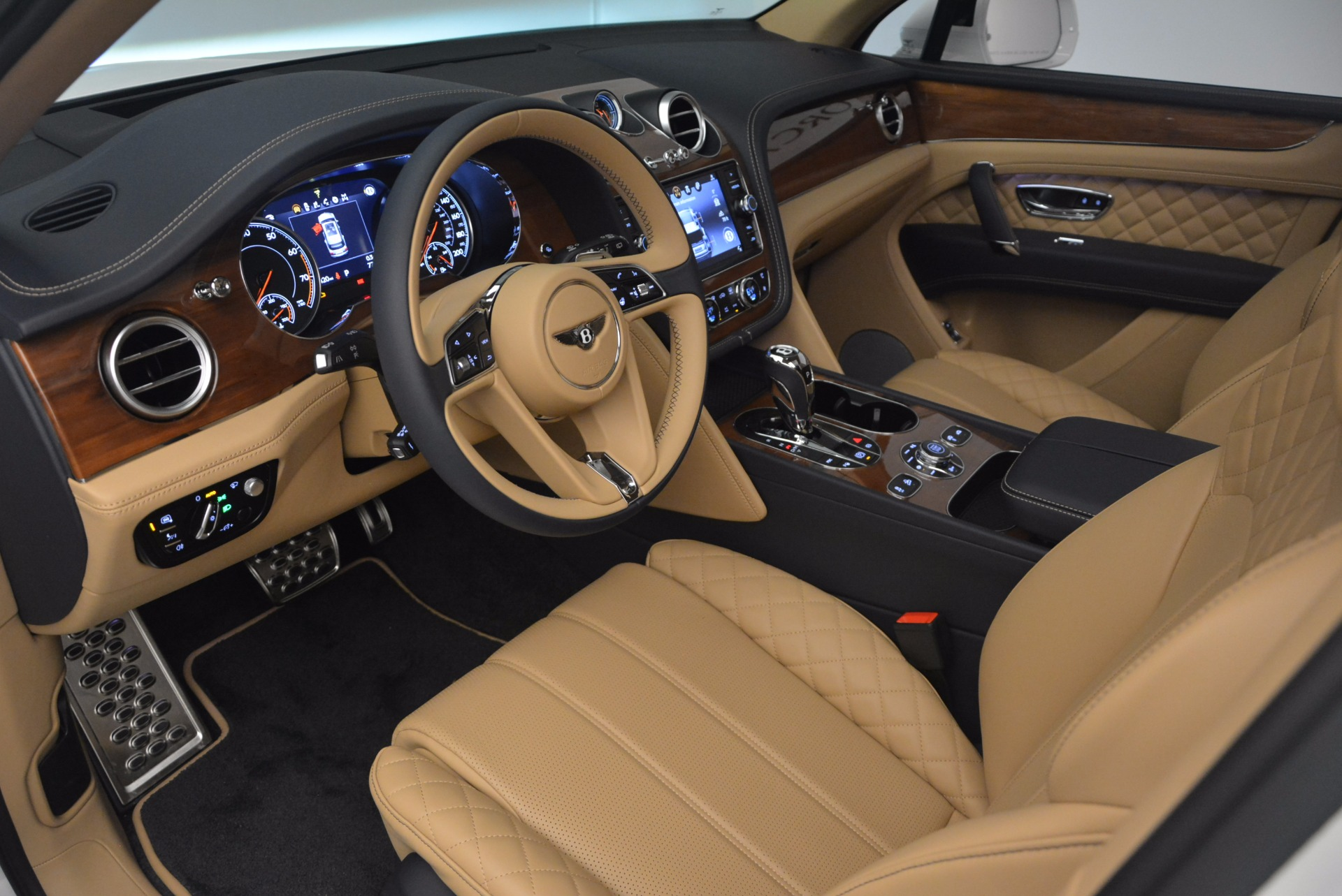 New 2018 Bentley Bentayga W12 Signature For Sale In Greenwich, CT 1358_p20