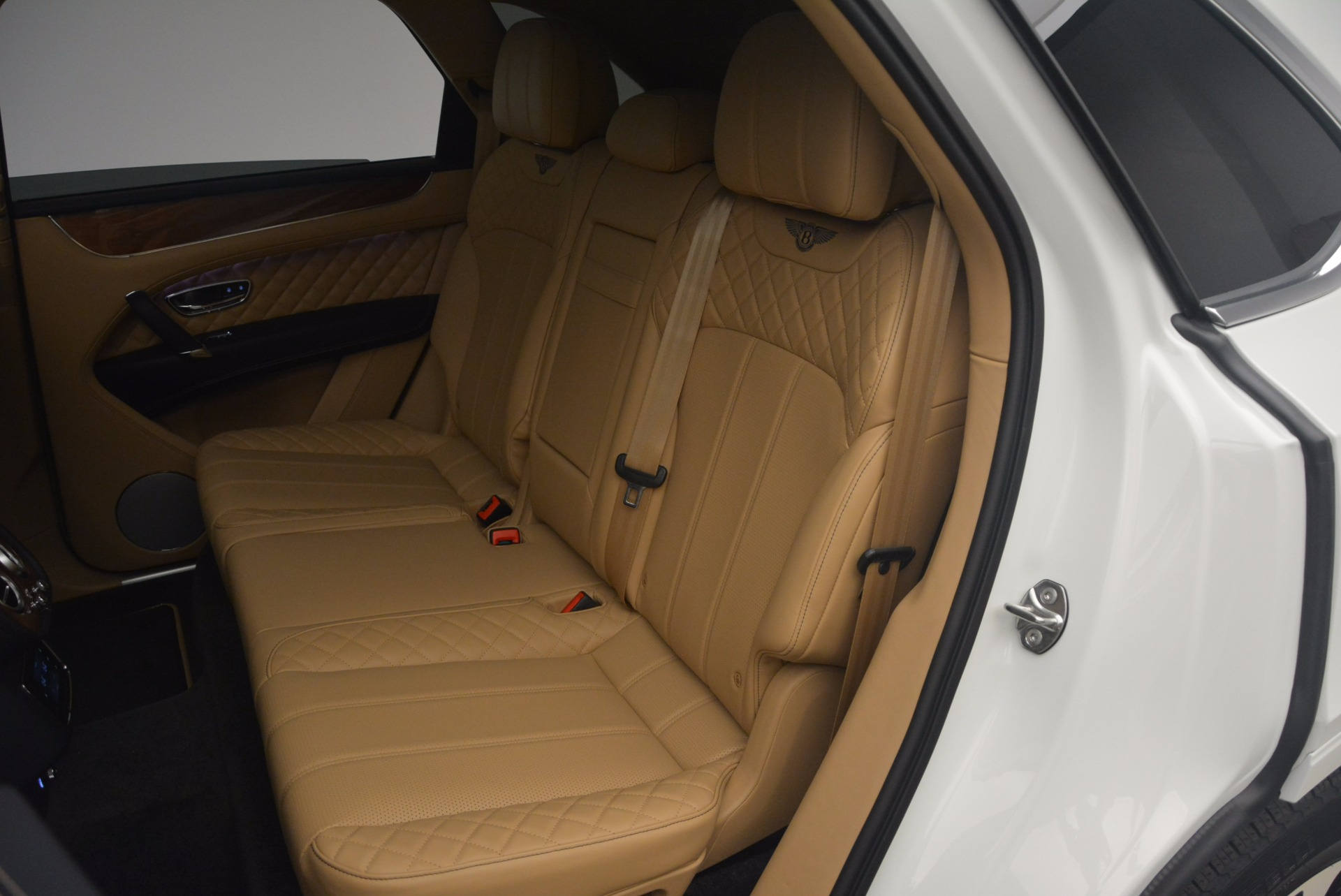 New 2018 Bentley Bentayga W12 Signature For Sale In Greenwich, CT 1358_p22