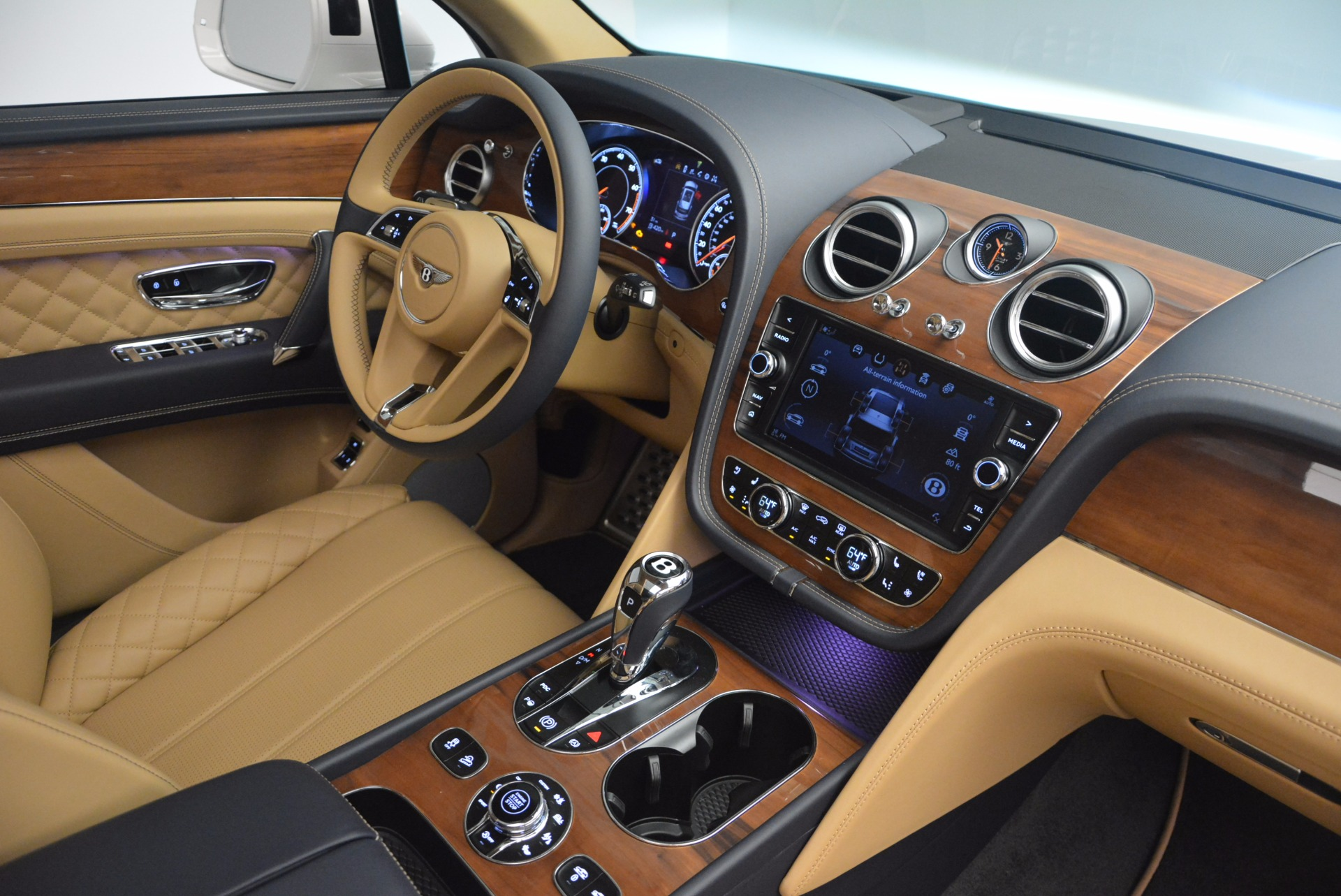 New 2018 Bentley Bentayga W12 Signature For Sale In Greenwich, CT 1358_p28