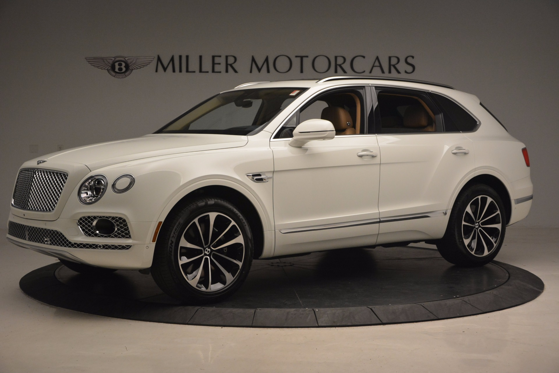 New 2018 Bentley Bentayga W12 Signature For Sale In Greenwich, CT 1358_p2