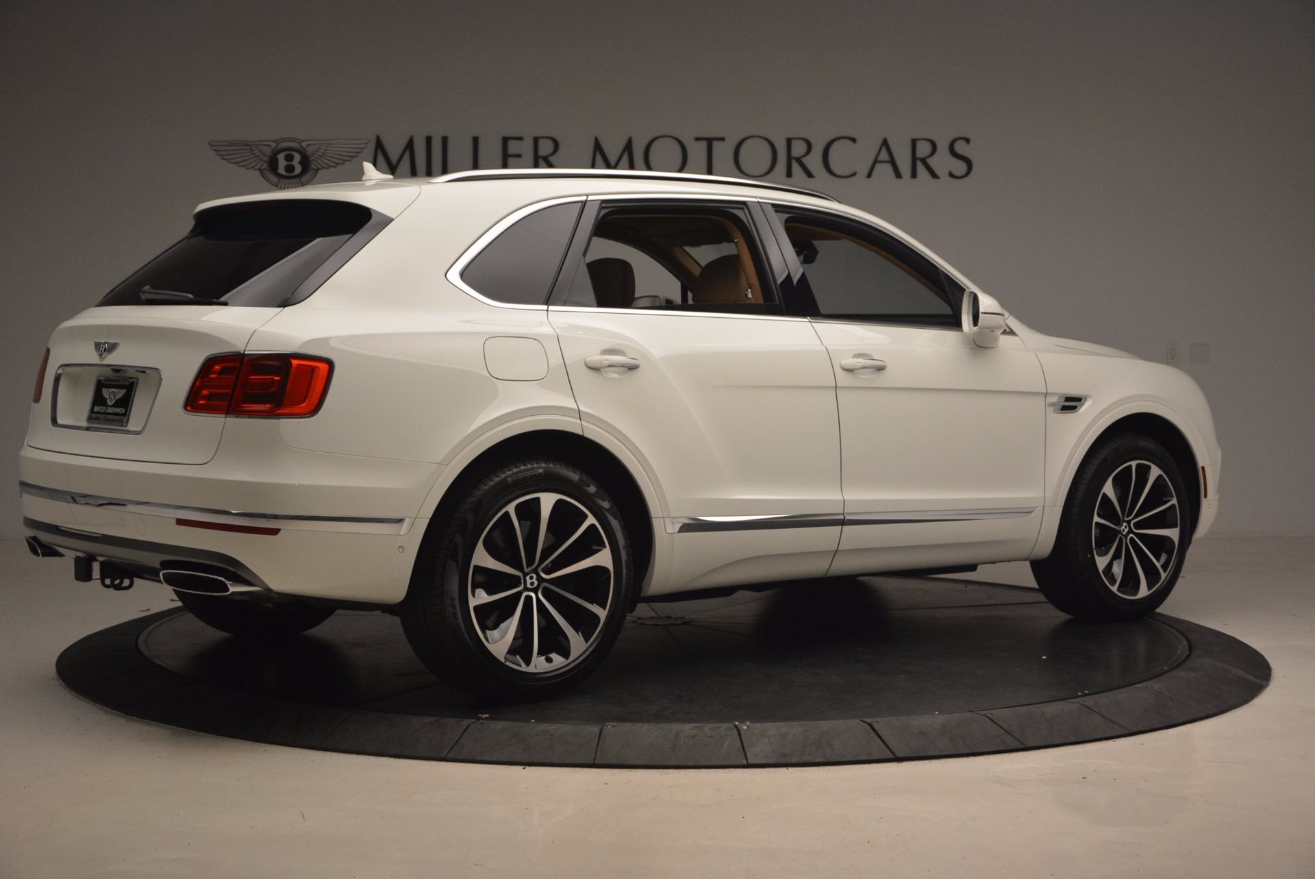 New 2018 Bentley Bentayga W12 Signature For Sale In Greenwich, CT 1358_p8