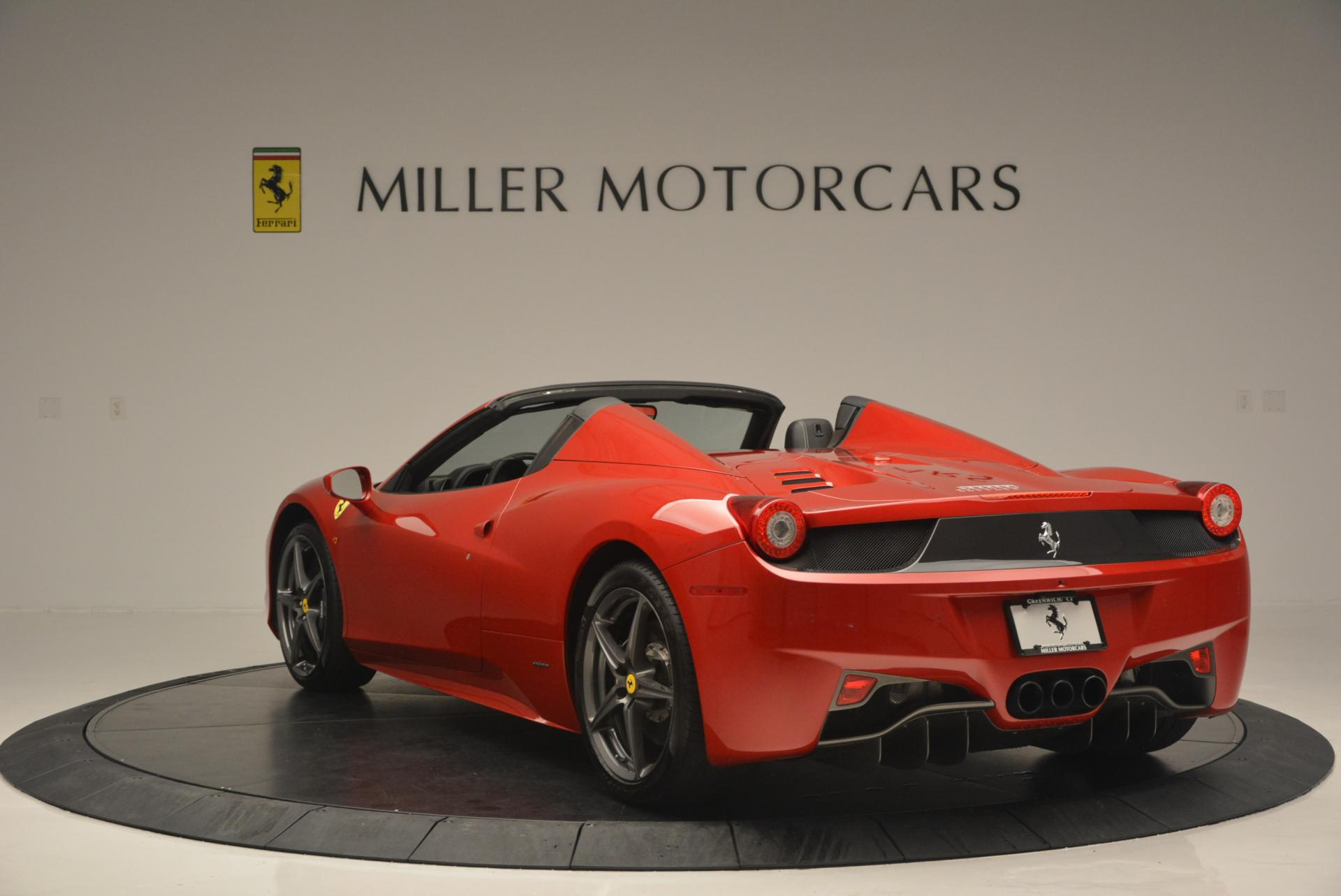Used 2013 Ferrari 458 Spider  For Sale In Greenwich, CT 136_p5