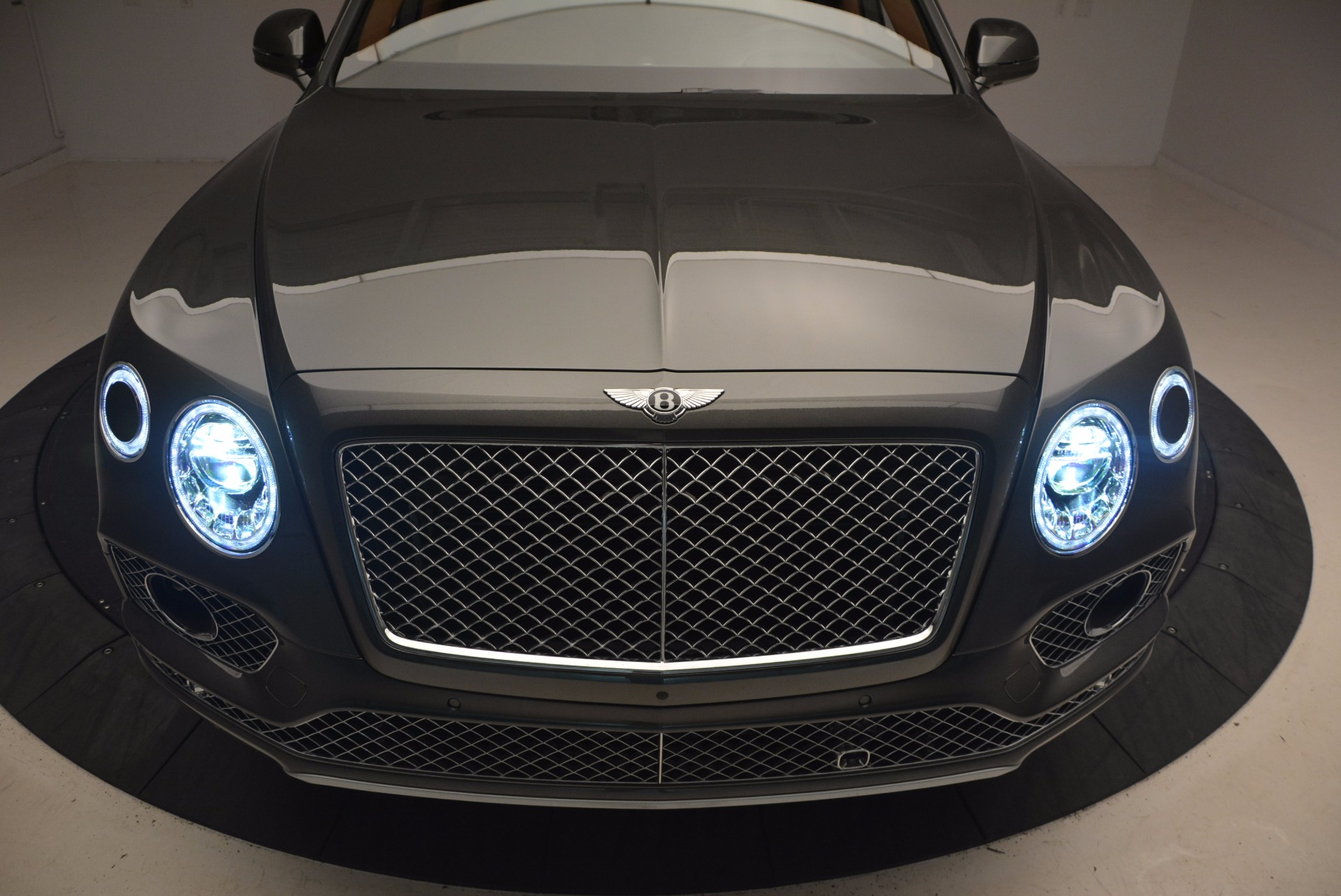 New 2018 Bentley Bentayga  For Sale In Greenwich, CT 1363_p16