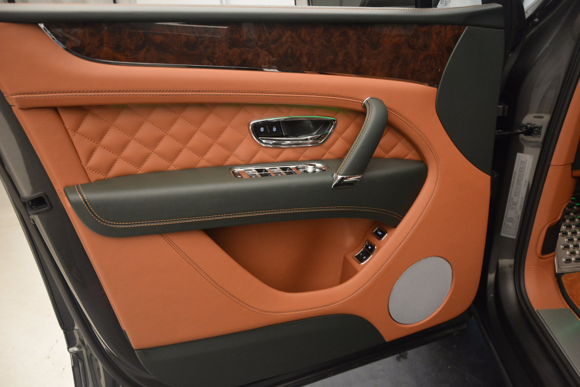 New 2018 Bentley Bentayga  For Sale In Greenwich, CT 1363_p23