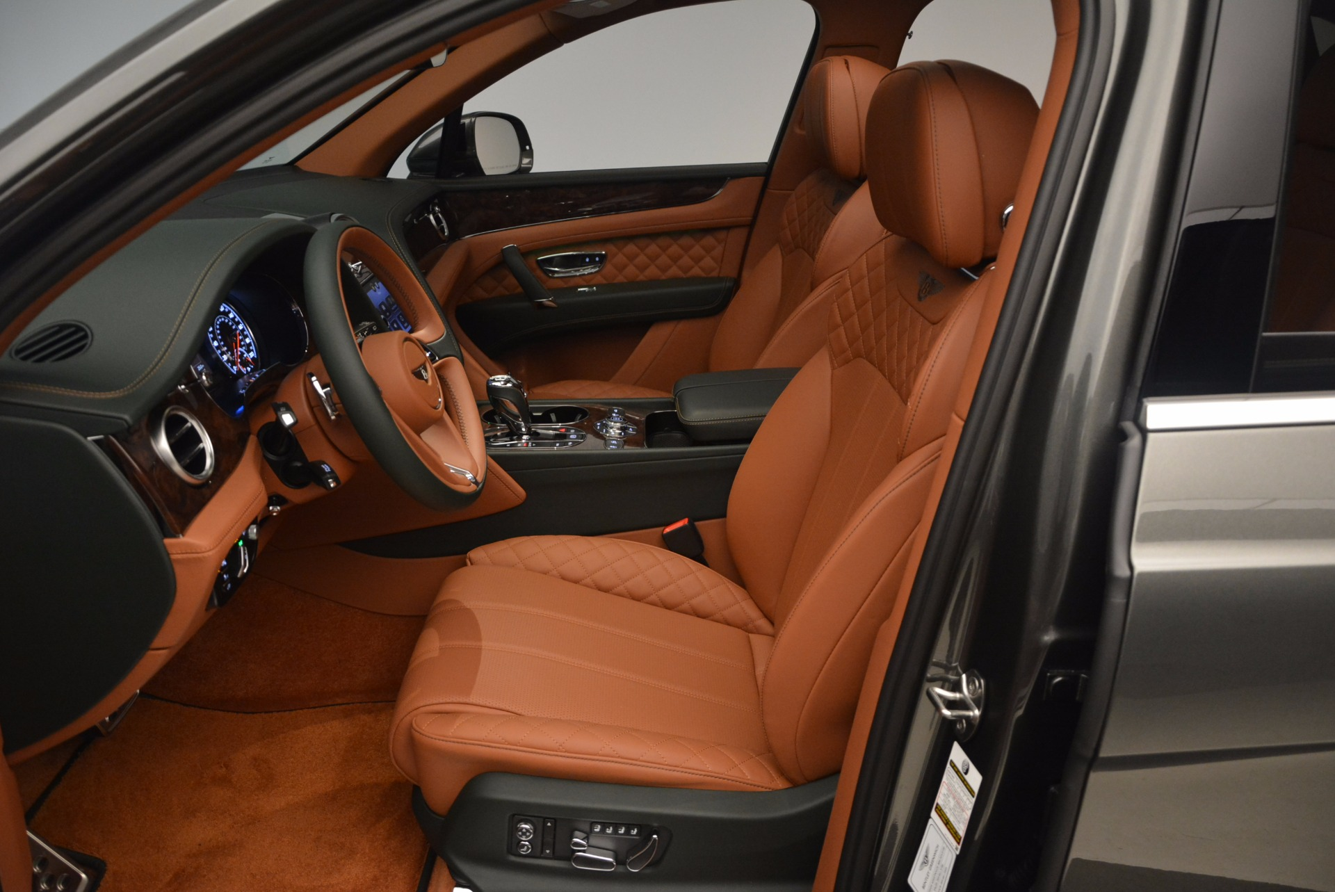 New 2018 Bentley Bentayga  For Sale In Greenwich, CT 1363_p26