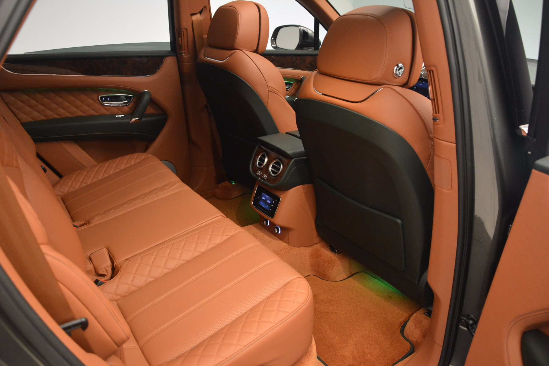 New 2018 Bentley Bentayga  For Sale In Greenwich, CT 1363_p38