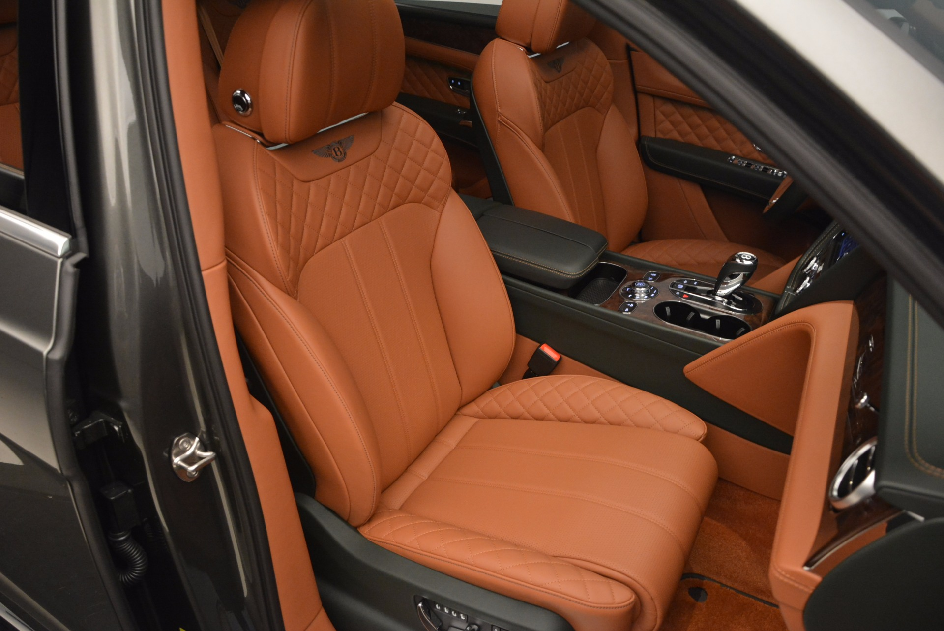 New 2018 Bentley Bentayga  For Sale In Greenwich, CT 1363_p45
