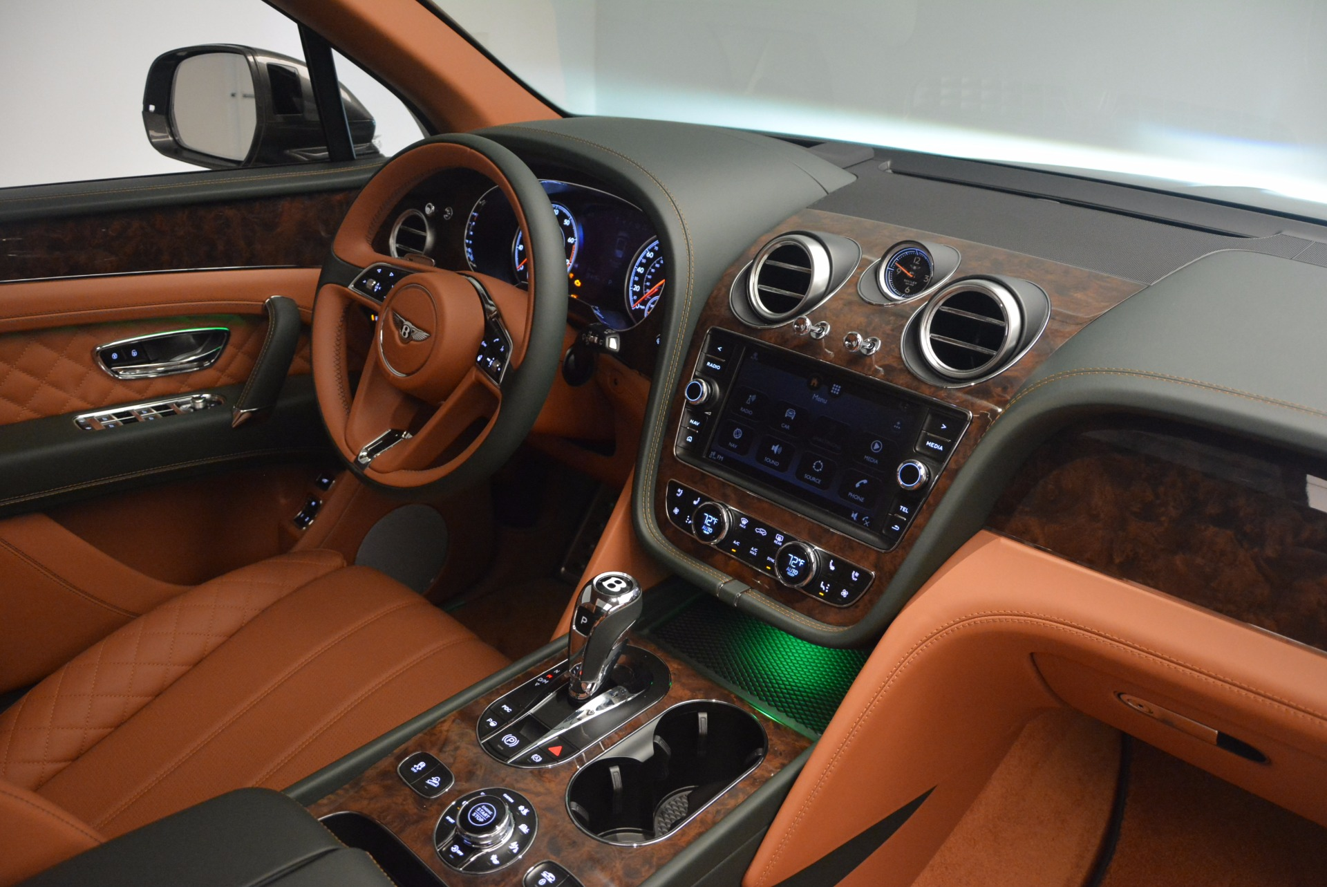 New 2018 Bentley Bentayga  For Sale In Greenwich, CT 1363_p49