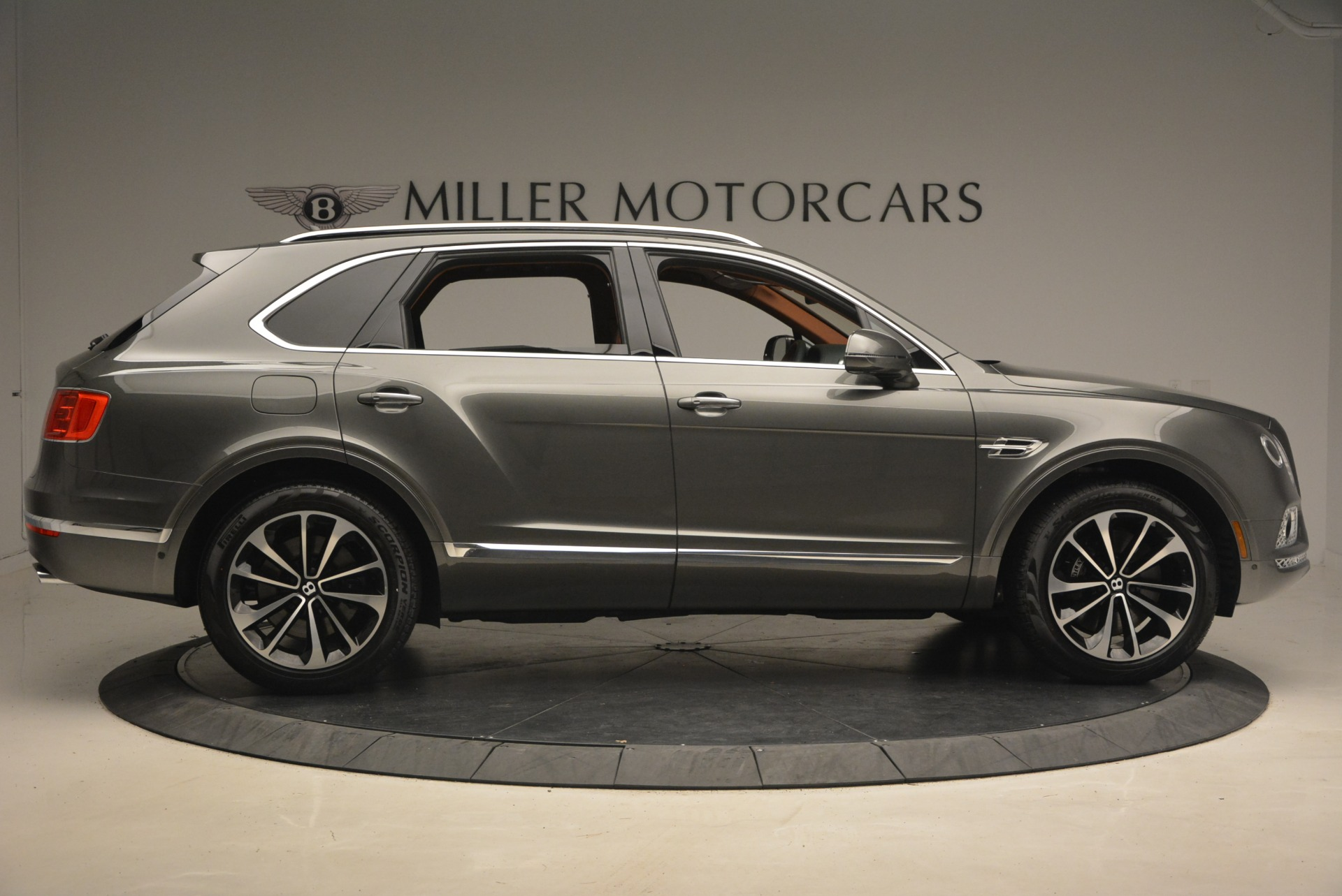 New 2018 Bentley Bentayga  For Sale In Greenwich, CT 1363_p9